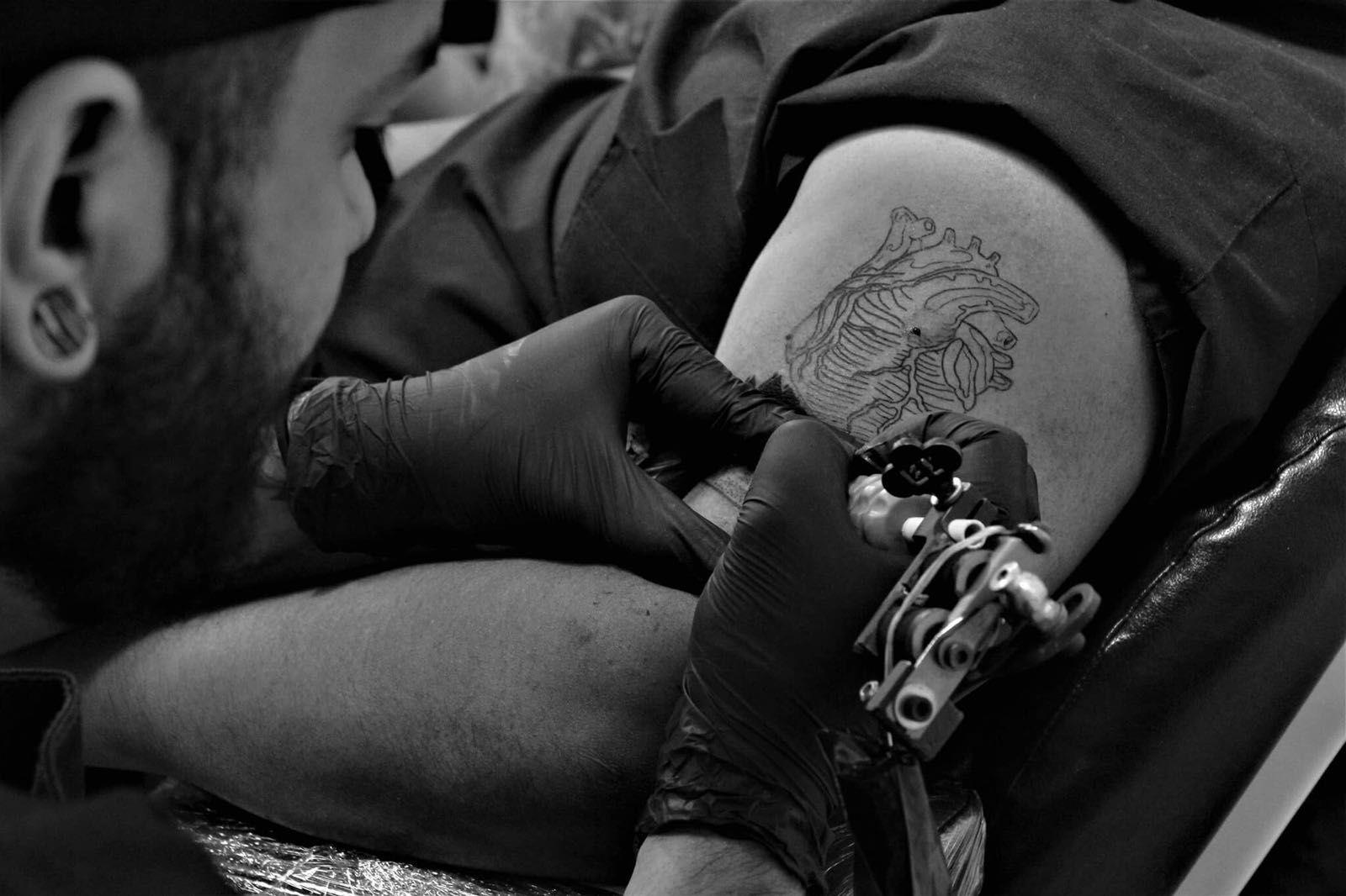 Boskn: Tattoo de Under Skin Tattoo Santa Co