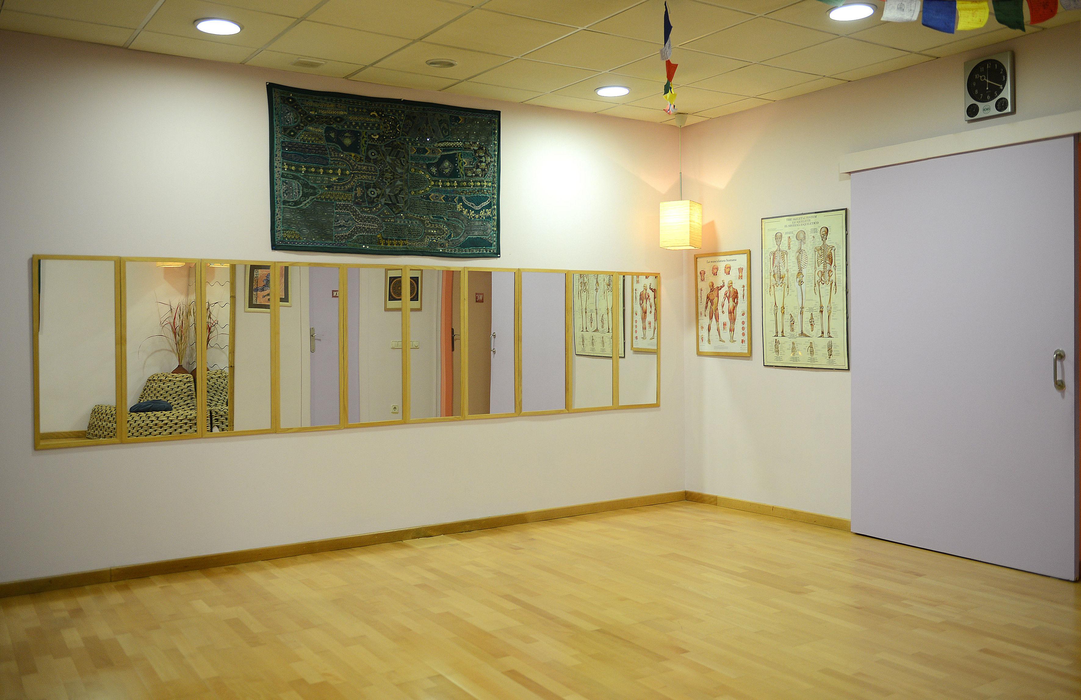 Foto 14 de Yoga en Corbera de Llobregat | Centre de restauració corporal
