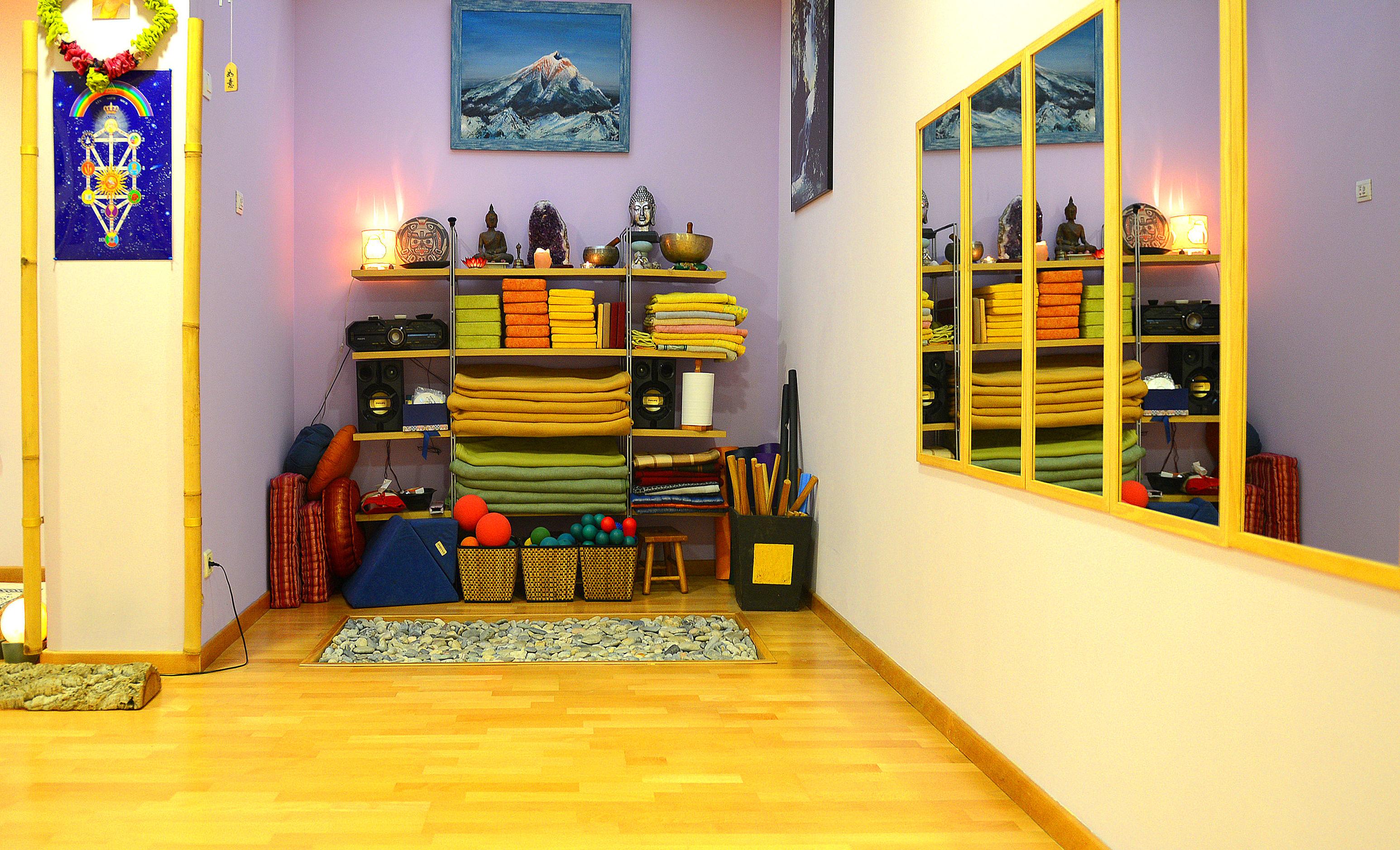 Foto 11 de Yoga en Corbera de Llobregat | Centre de restauració corporal