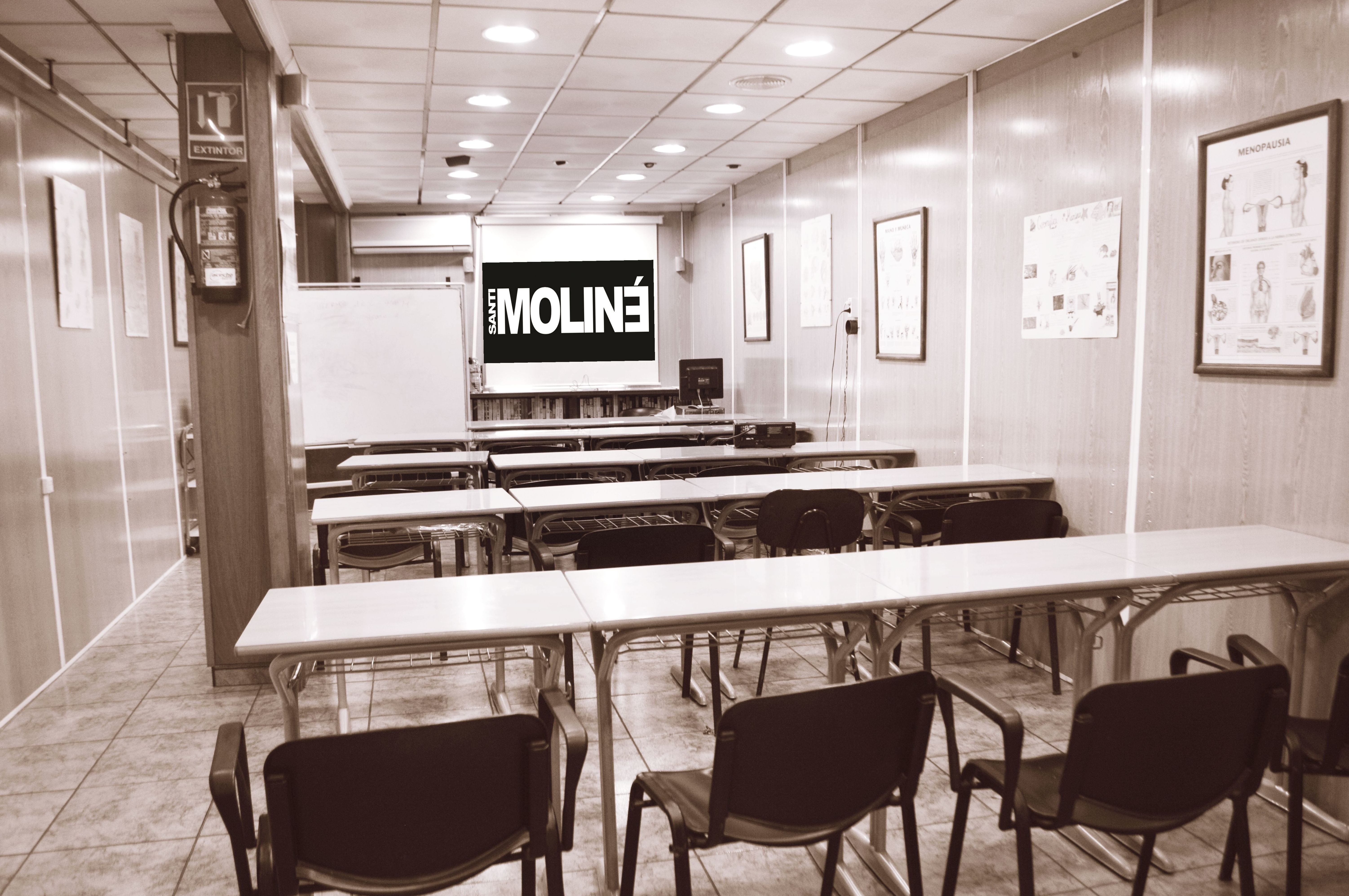 Foto 1 de Academia de peluquería y estética en Albacete | Centro de Formación de Peluquería y Estética Virgen de los Llanos Moliné