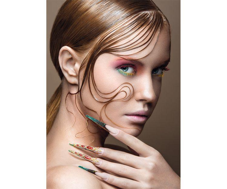 Decoración de uñas y técnica del encapsulado: Cursos peluquería y estética de Centro de Formación de Peluquería y Estética Virgen de los Llanos Moliné