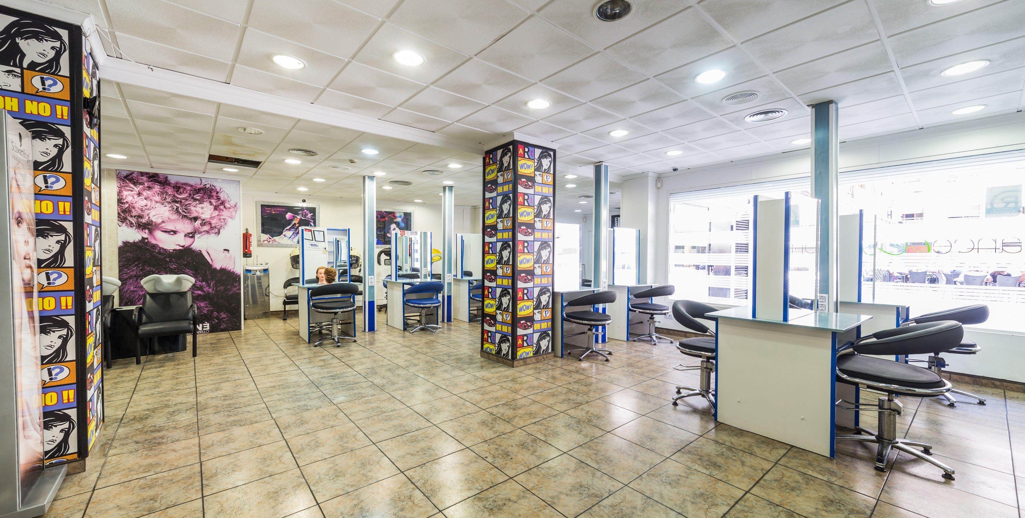 Foto 5 de Academia de peluquería y estética en Albacete | Centro de Formación de Peluquería y Estética Virgen de los Llanos Moliné