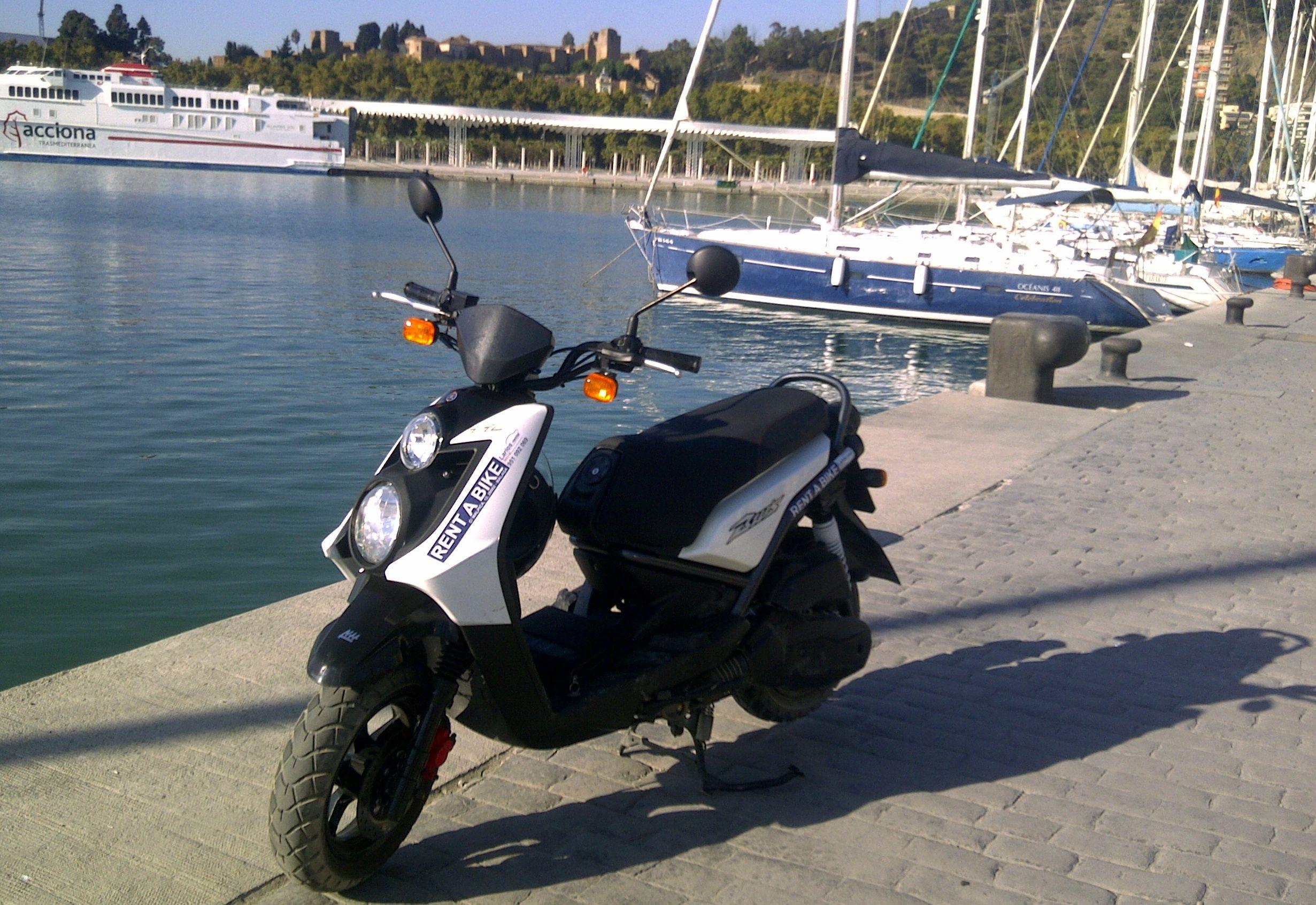 Scooter Málaga Muelle 1