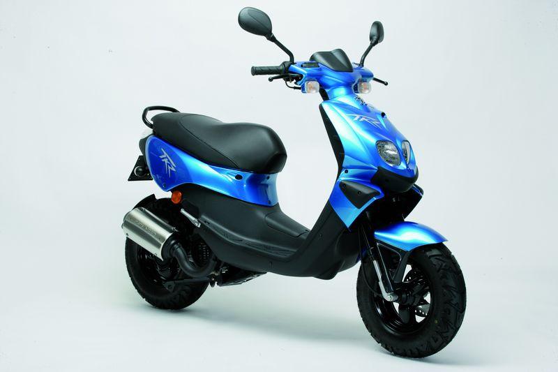 2. Scooter 50cc: Tarifas de Larios Rental