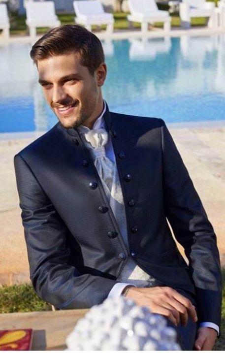 Trajes para novios, padrinos e invitados: Lo que más vendemos de Y Griega Moda