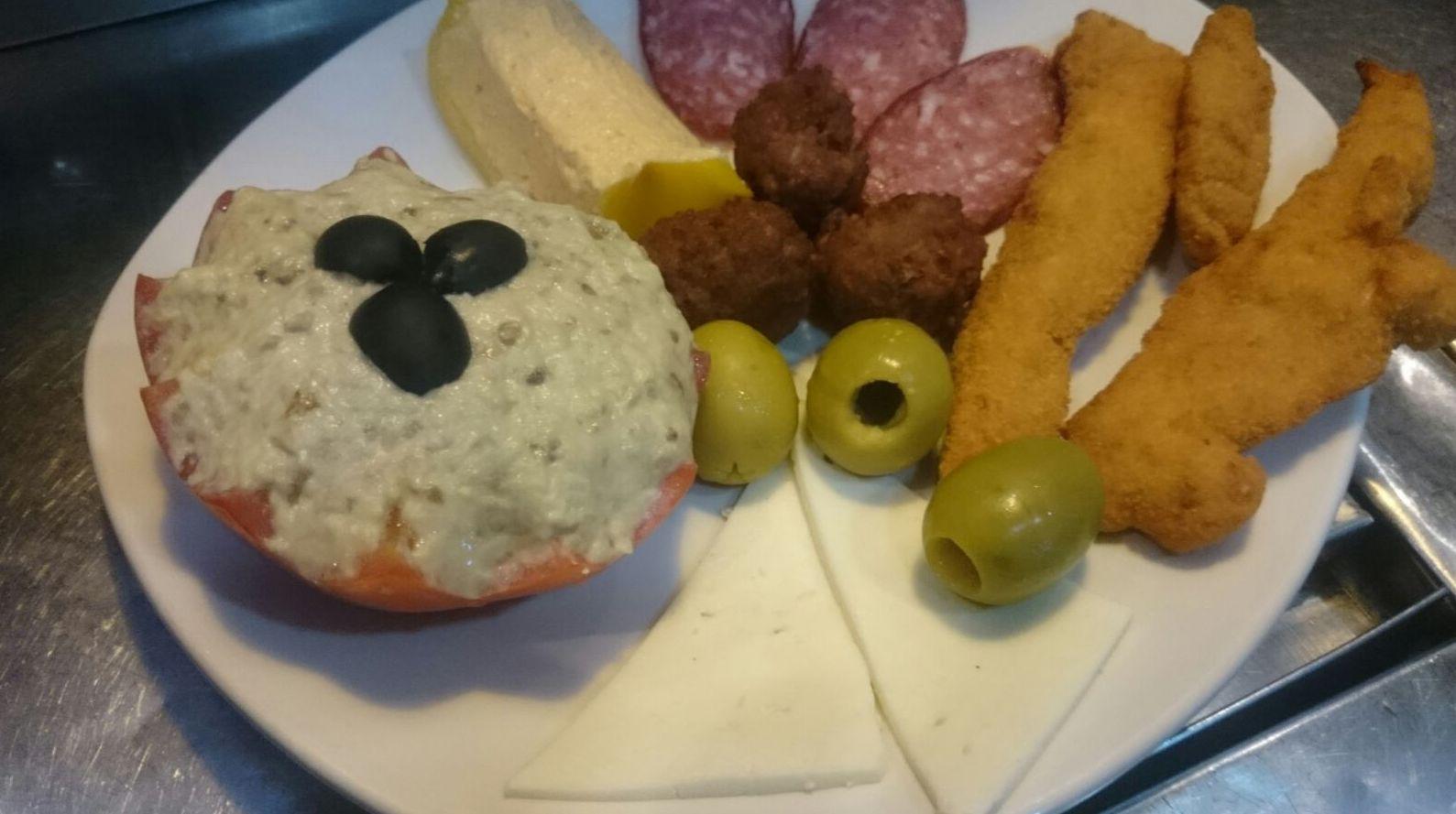 Menú diario, carnes, tostas y tapas