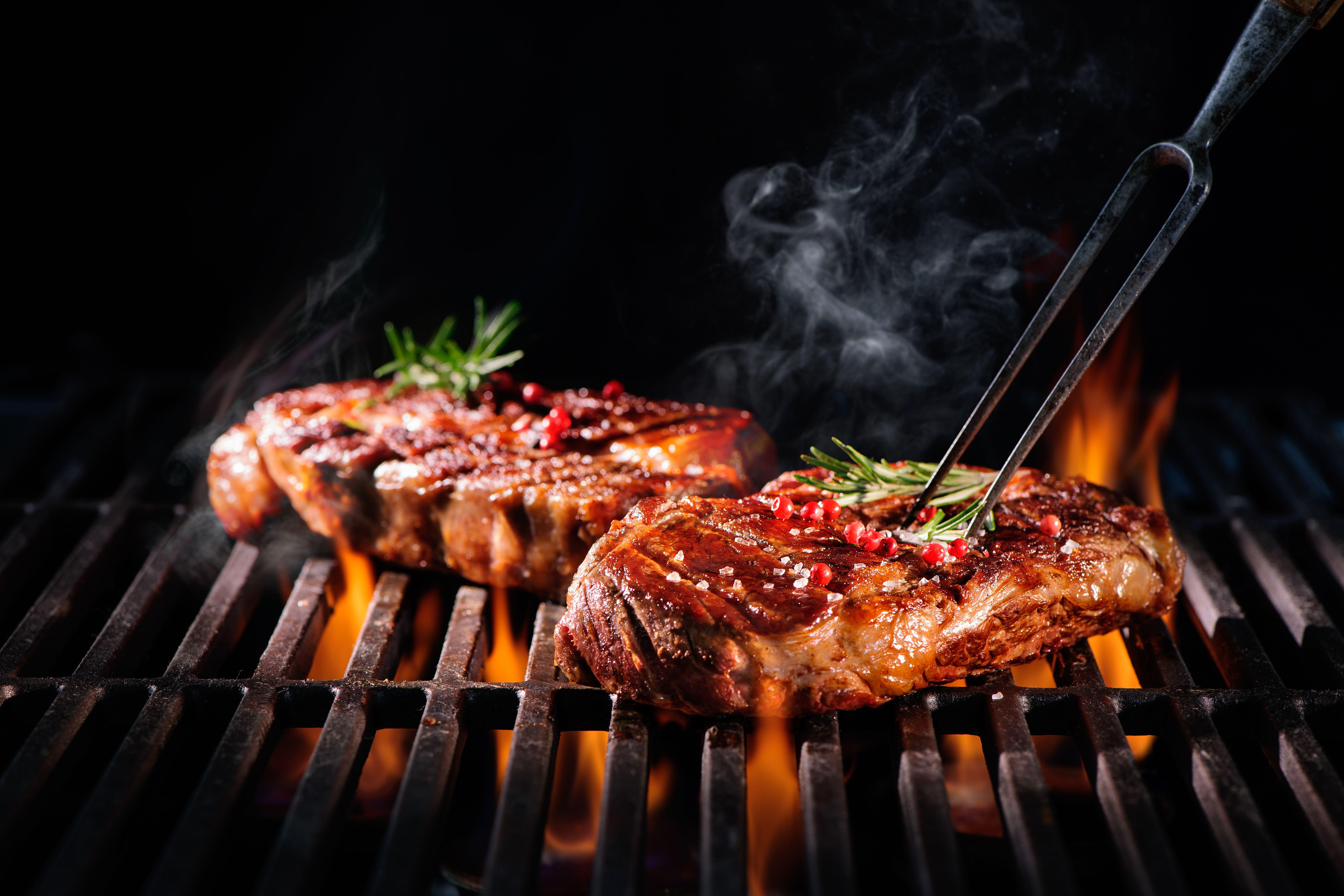 Restaurante de carnes a la brasa en Madrigueras