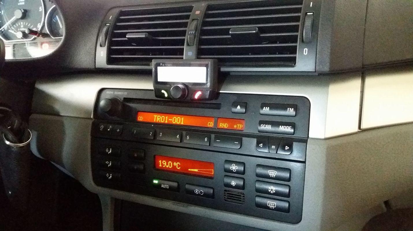 Instalación de manos libres en vehículos