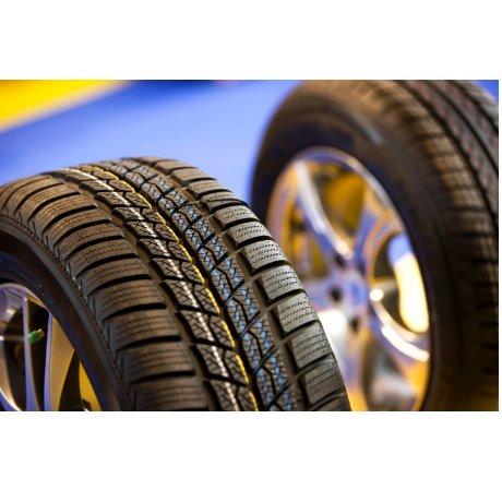 Neumáticos: Nuestros productos y servicios de Taller mecánico Garaje 34 - Centricar