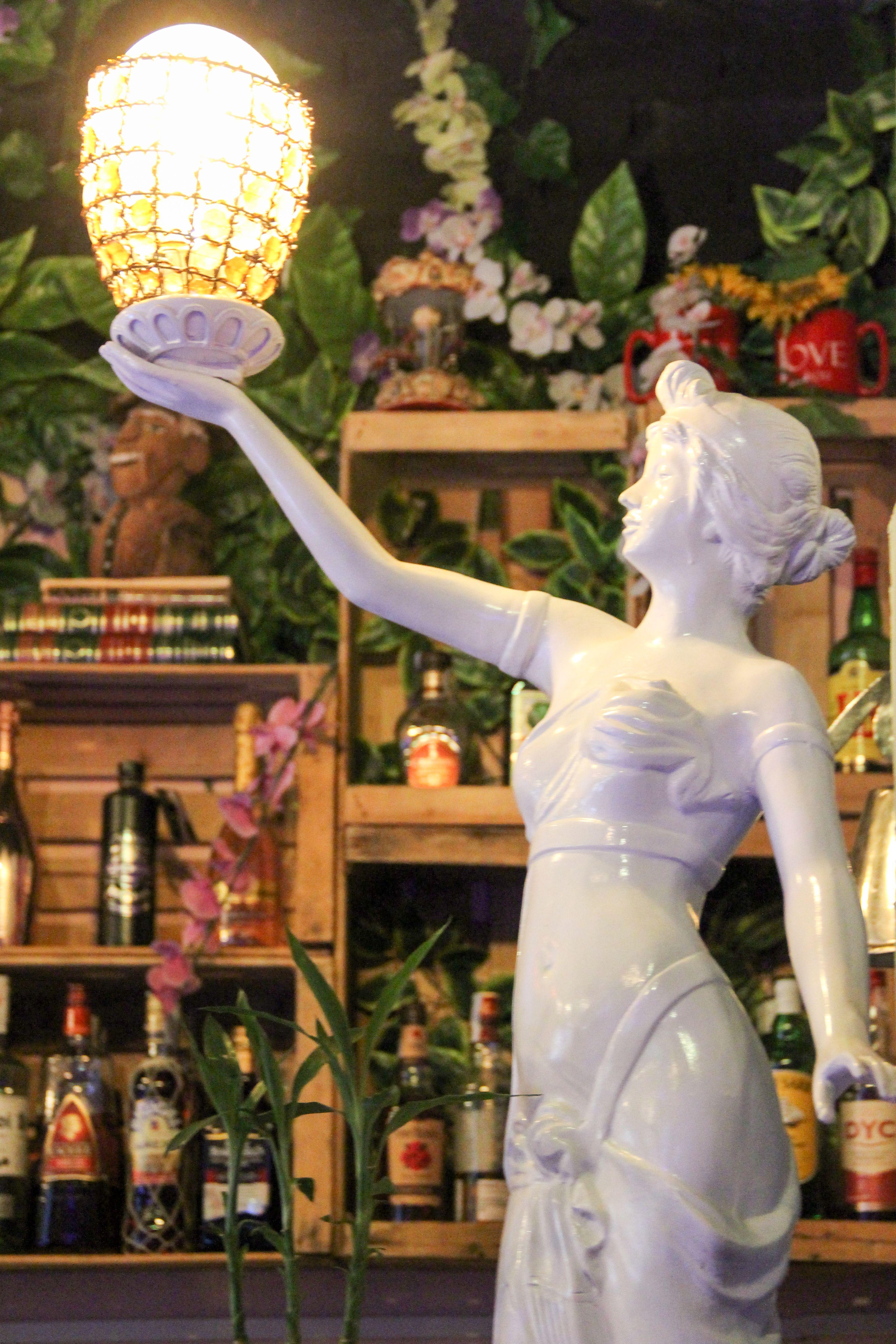 Estatua La Petite Boheme Deluxe