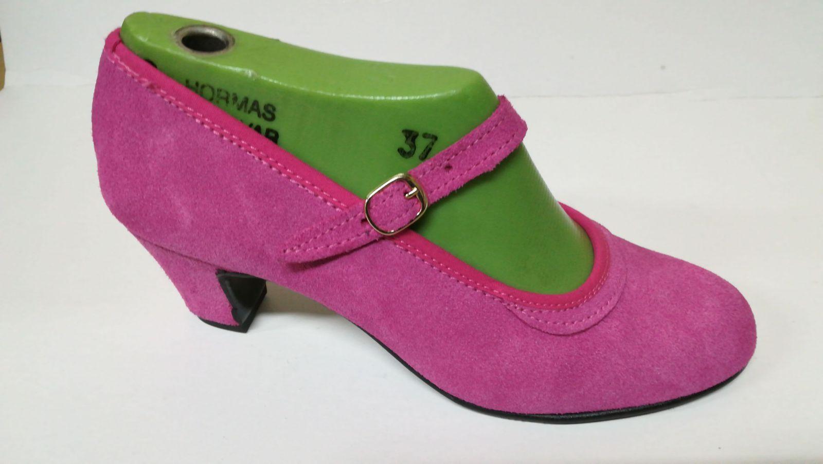 Zapato fucsia modelo 75: Productos de Calzados Malaca