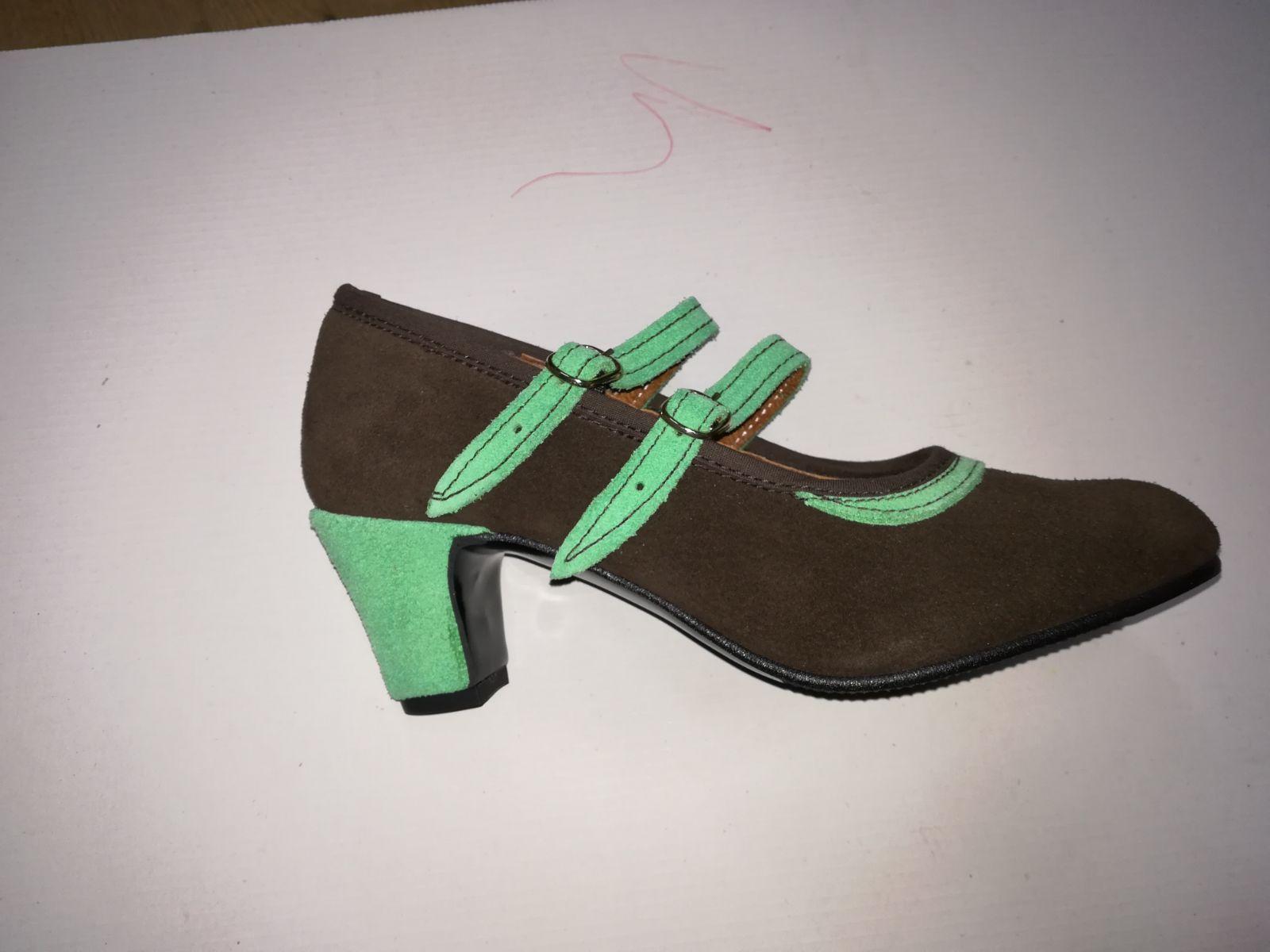 Zapato de ante: Productos de Calzados Malaca