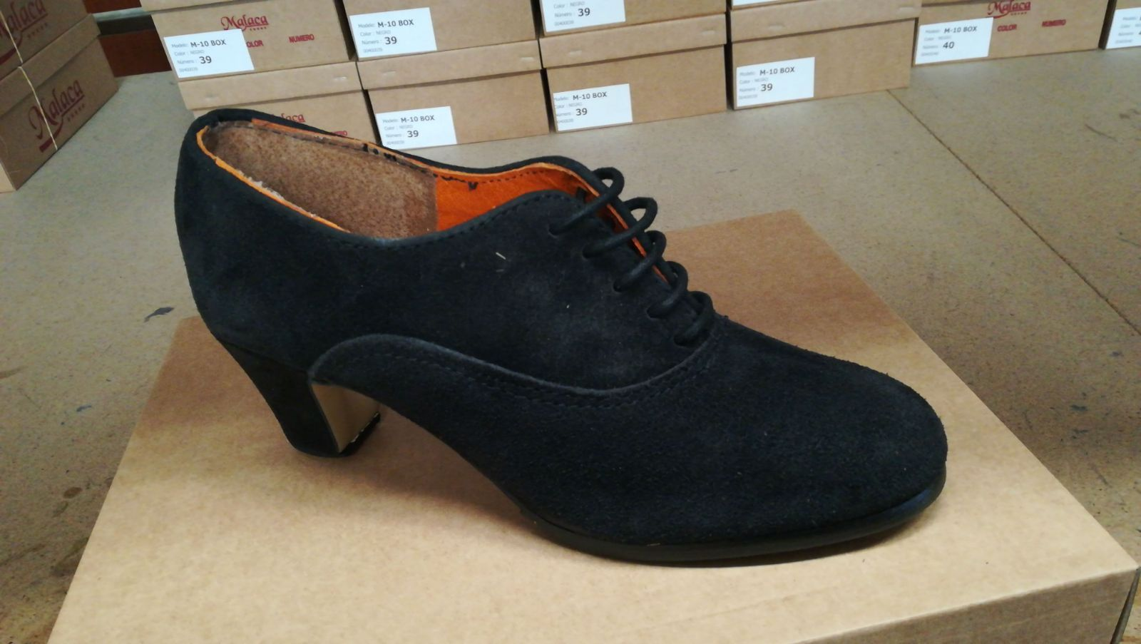 Zapato en piel de ante Modelo 971: Productos de Calzados Malaca