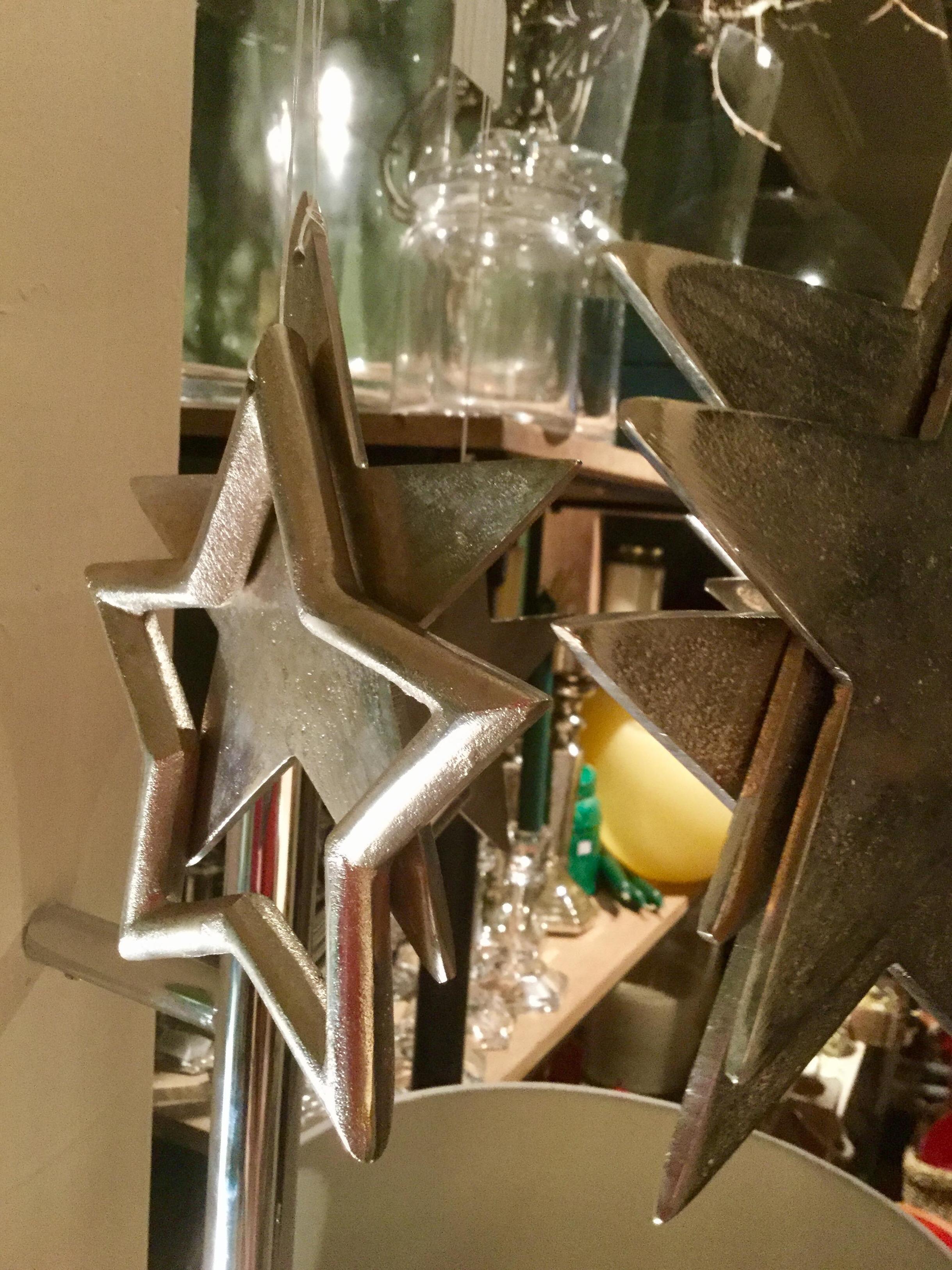 Estrellas doradas para decoración navideña