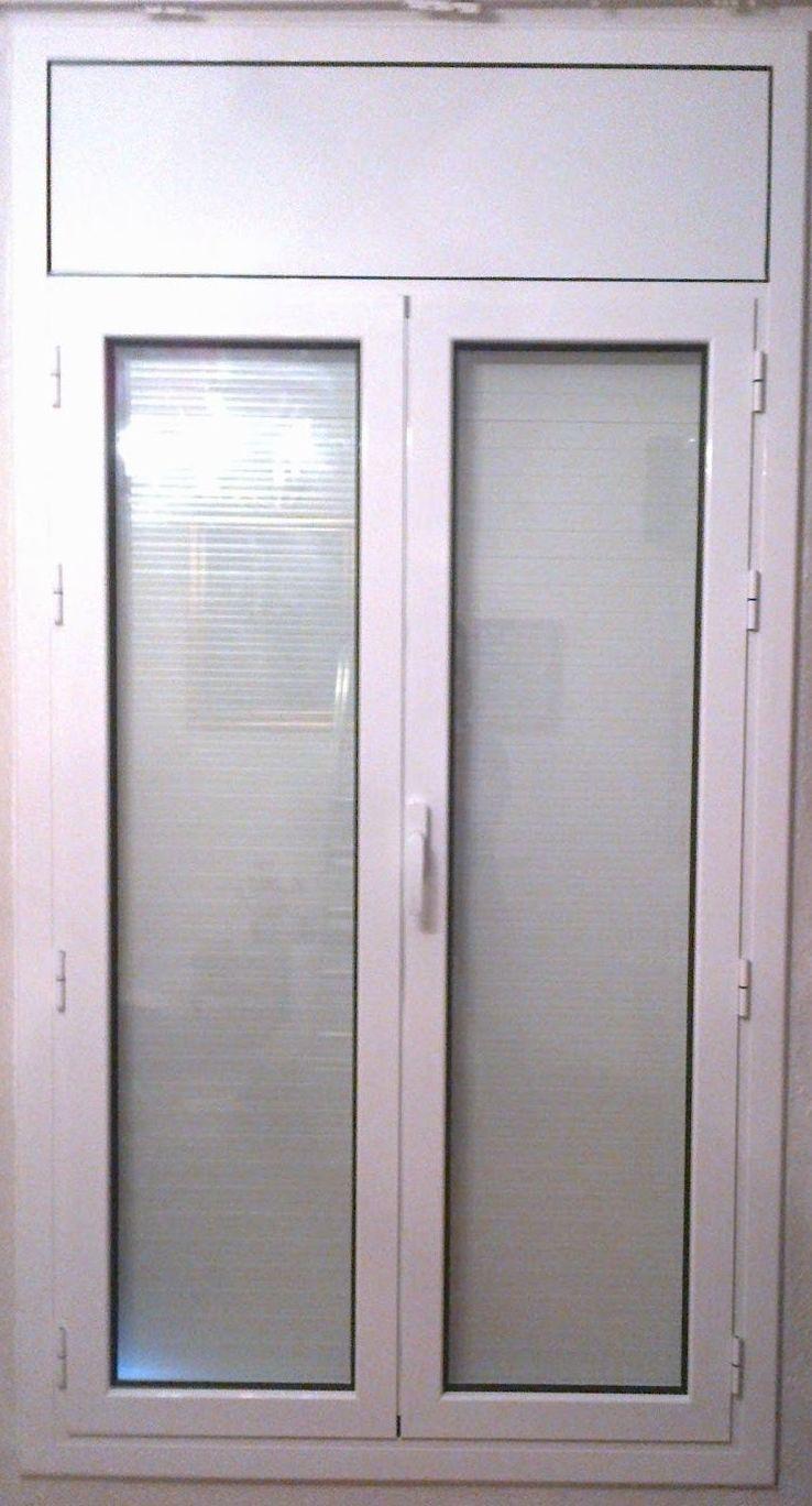 Puerta practicable de dos hojas: Productos y servicios de Metal Masa, S.L.