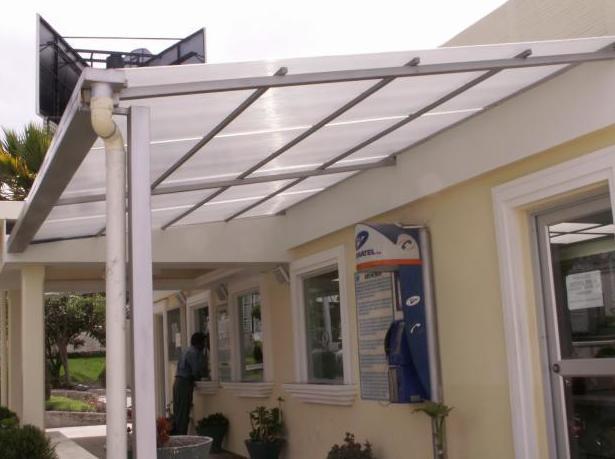 Techos de policarbonato productos y servicios de metal for Techos de policarbonato para balcones