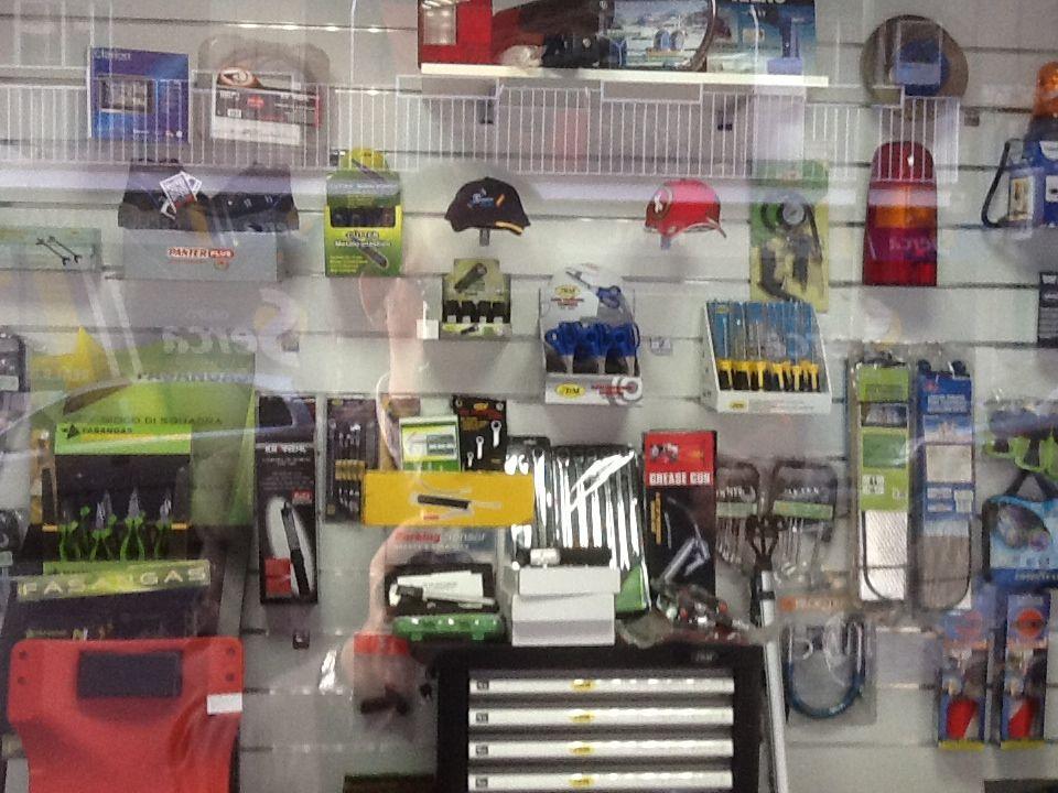 Foto 9 de Recambios y accesorios del automóvil en Madrid | Repuestos Real, S.L.