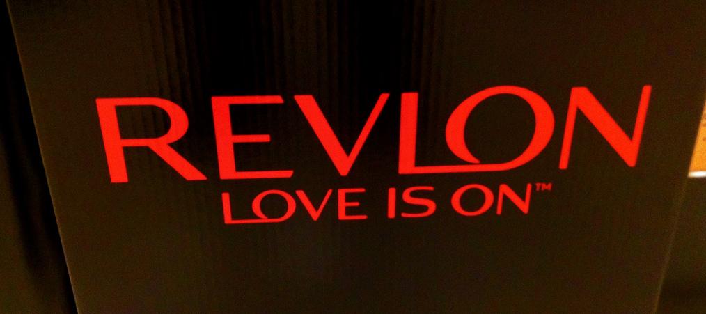 Tienda de productos de peluquería en Gijón de marcas Revlon