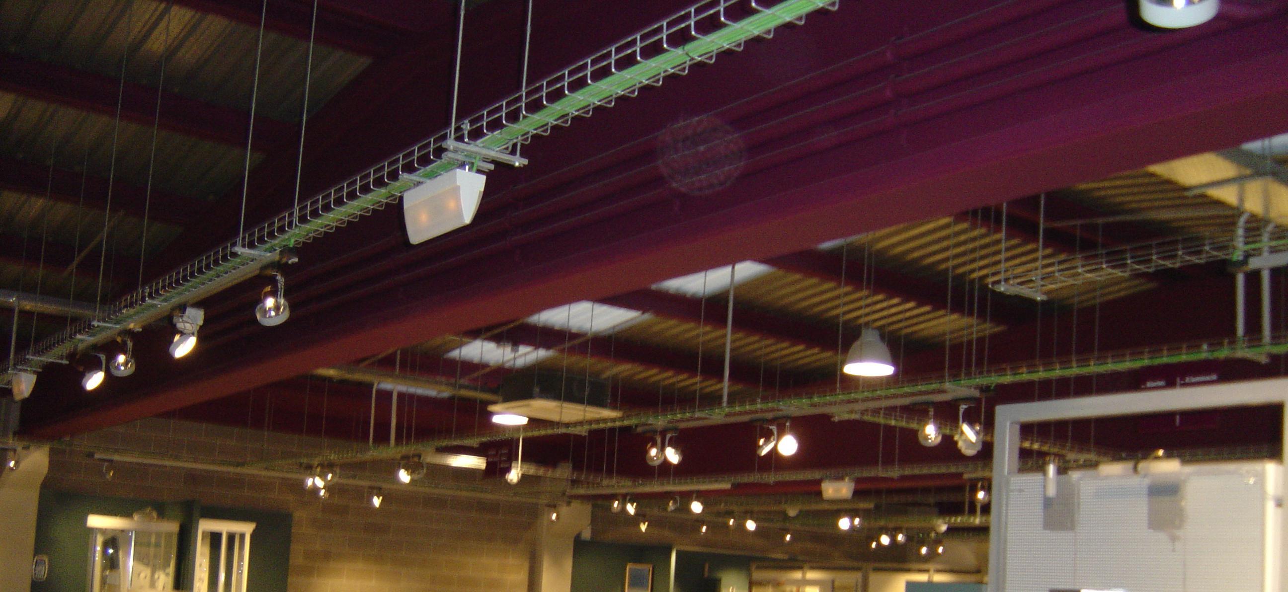 Instalaciones bandeja eléctrica