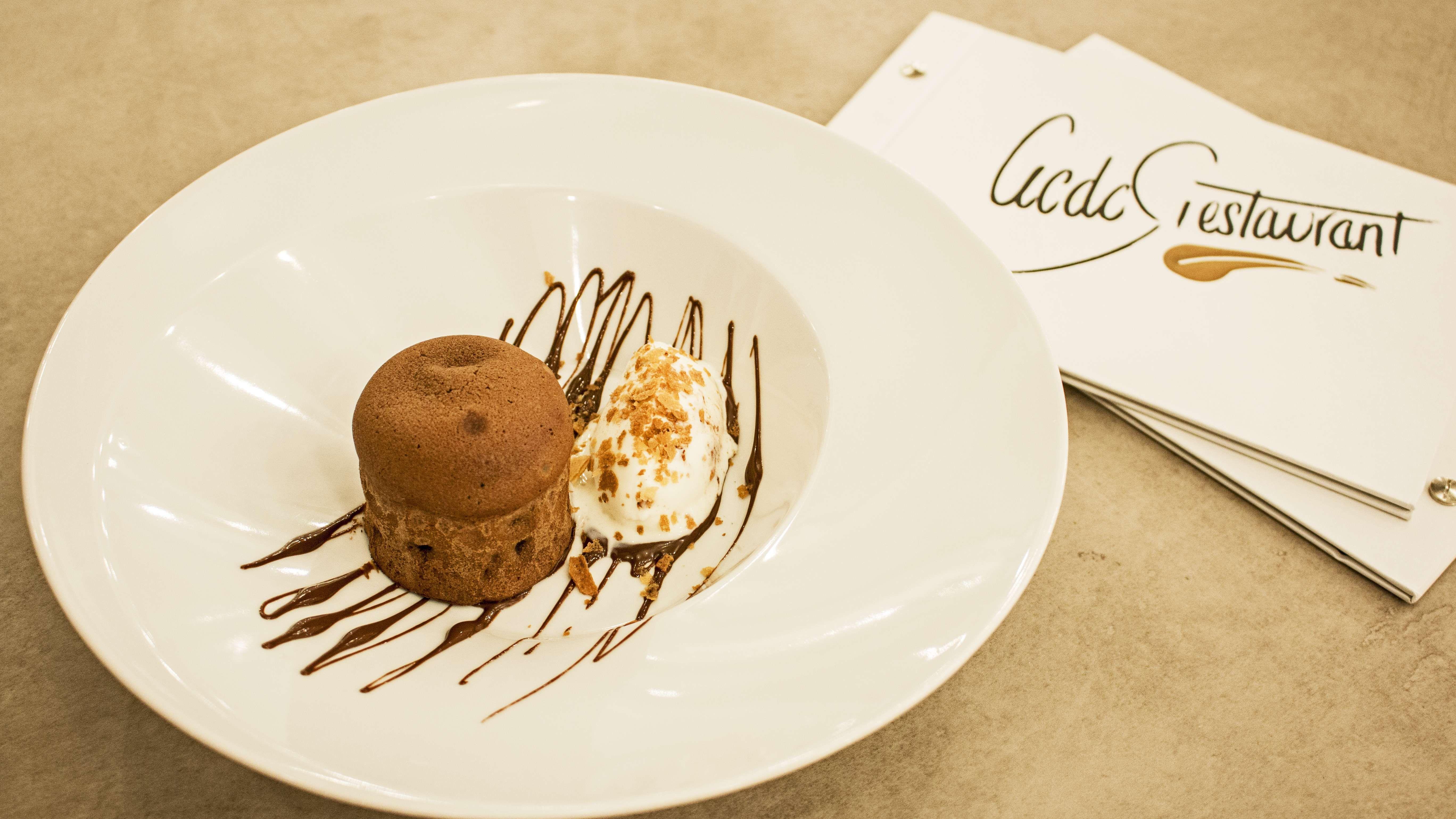 Para comer bien en Santiago de Compostela ven a ACDC Restaurant
