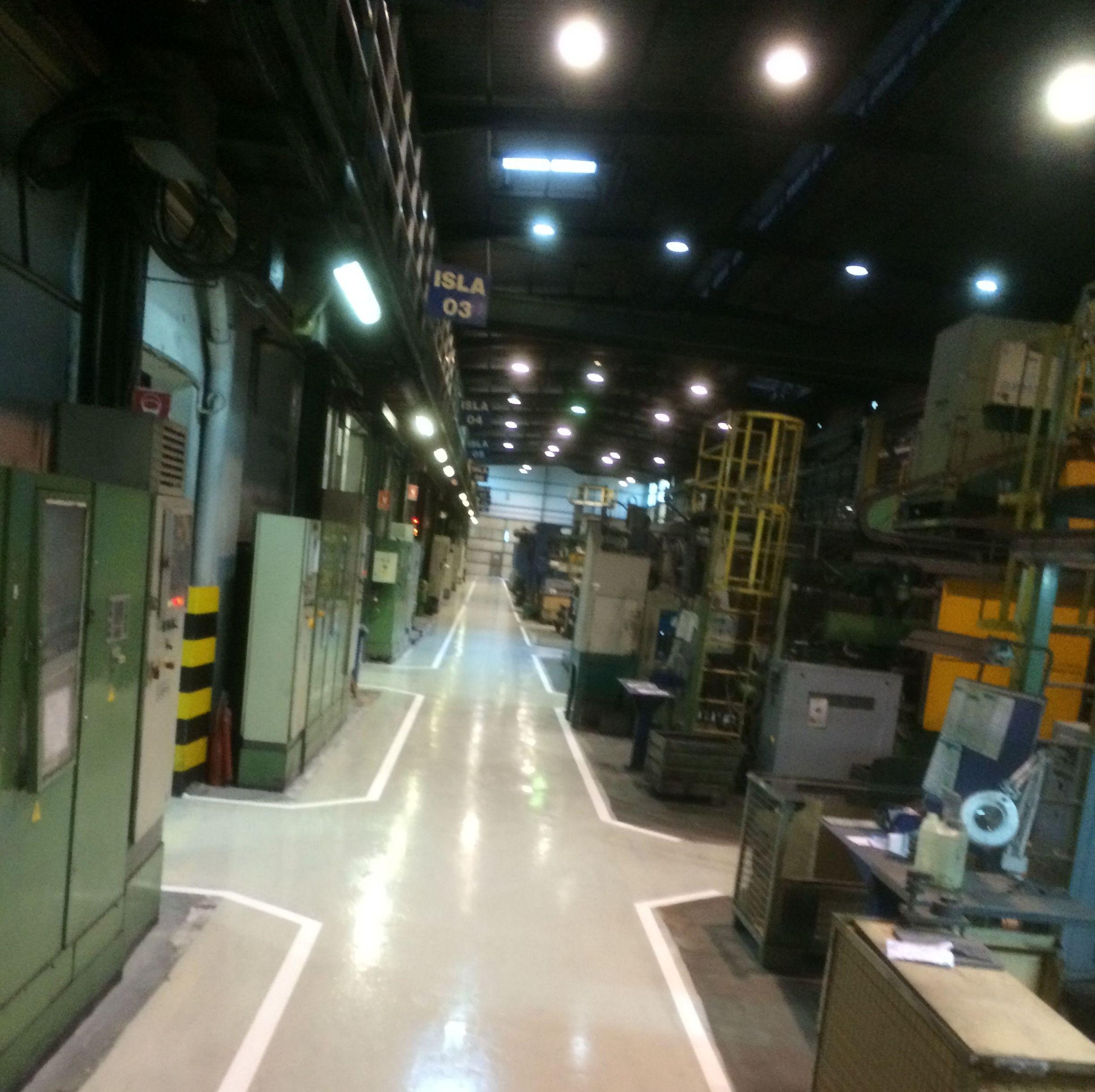 Aplicación de pavimentos en naves industriales
