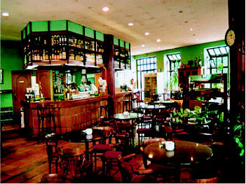 Foto 19 de Cocina tradicional en Gijón | La Terraza de Viesques Restaurante