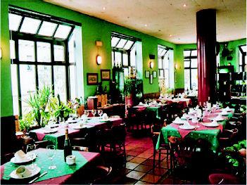 Foto 25 de Cocina tradicional en Gijón | La Terraza de Viesques Restaurante