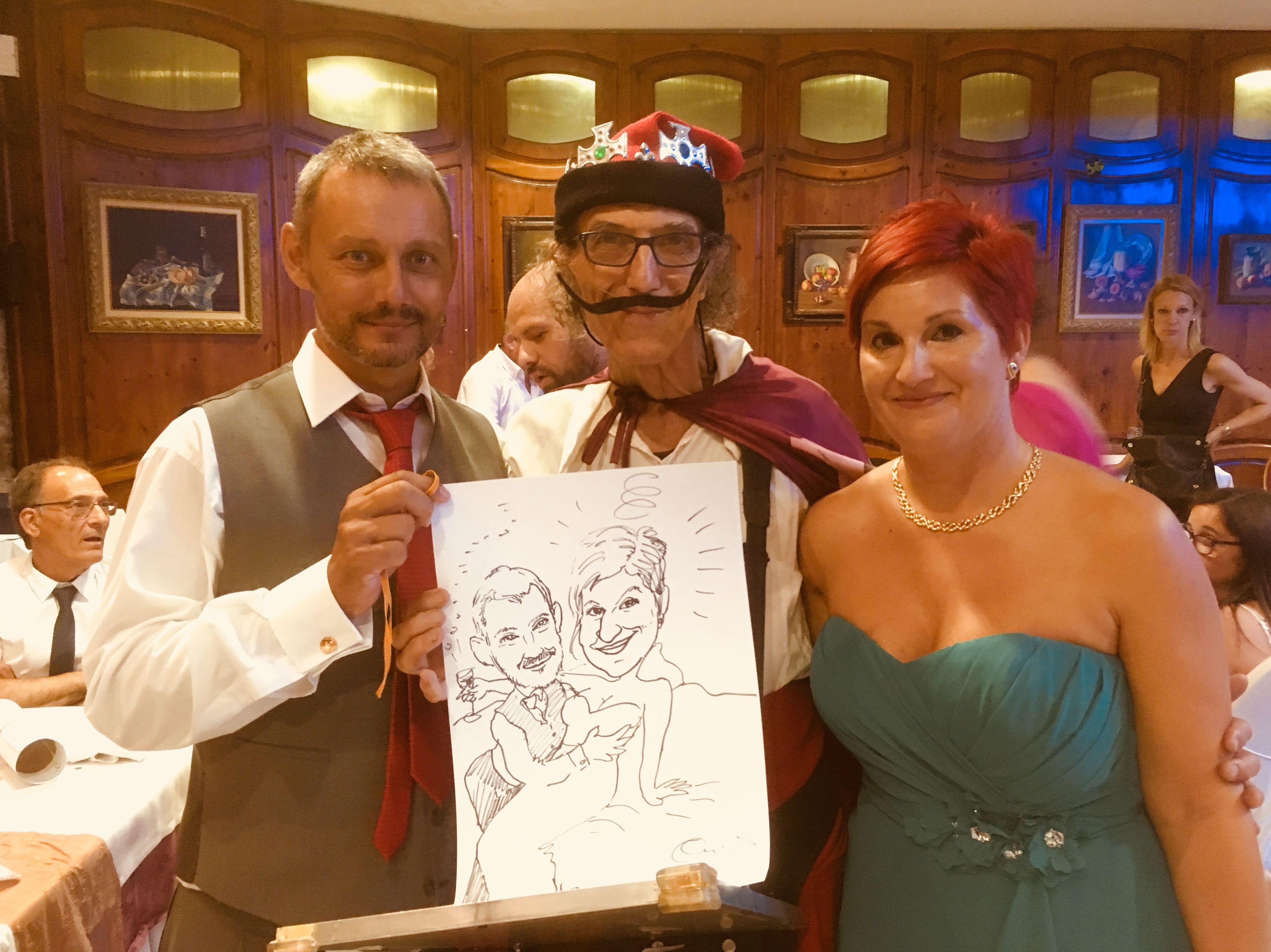 Con su dibujo picarón en una boda con Dalí Rey