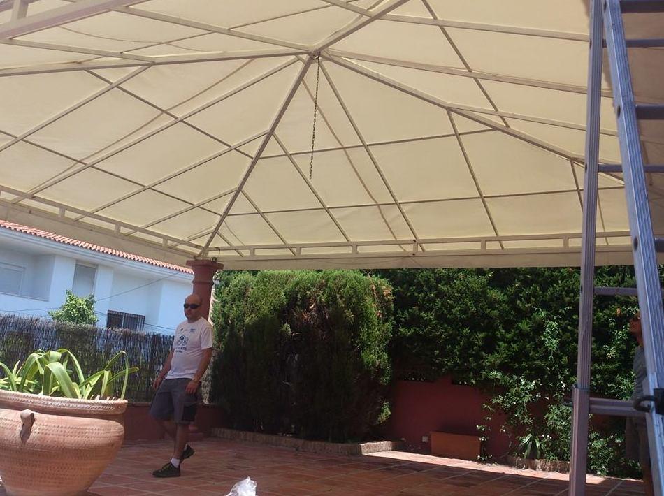 Foto 1 de Toldos y pérgolas en Marbella | Toldos Galeón