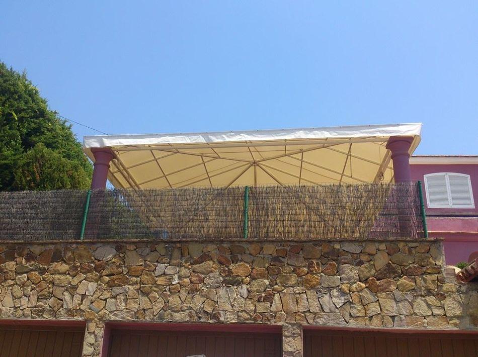 Foto 4 de Toldos y pérgolas en Marbella | Toldos Galeón