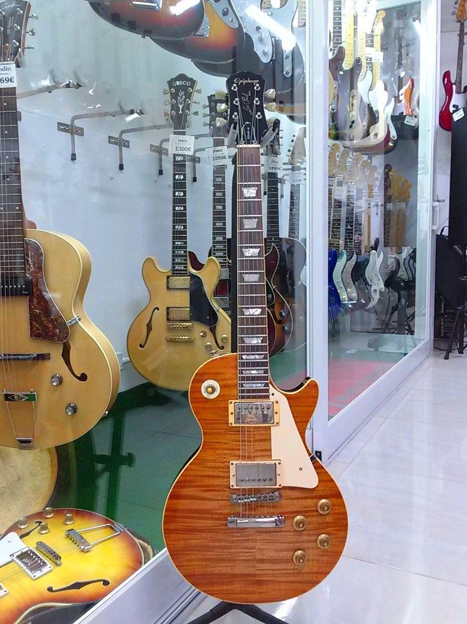 Foto 33 de Instrumentos de música en Barcelona | Guitar Shop Barcelona