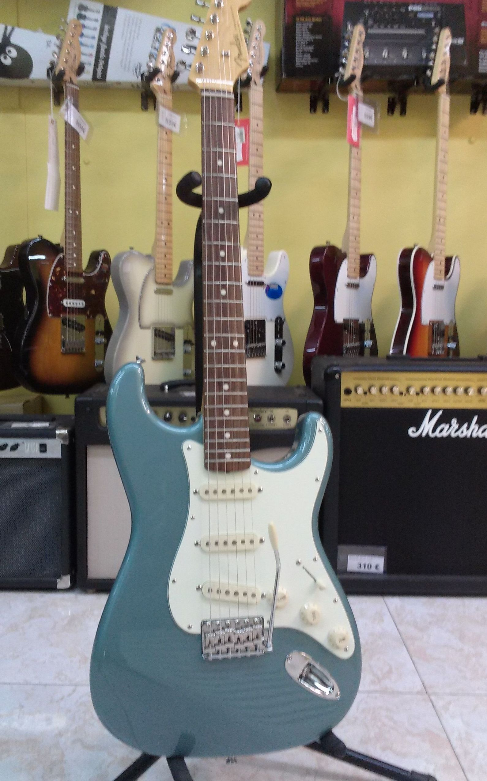 Foto 46 de Instrumentos de música en Barcelona | Guitar Shop Barcelona