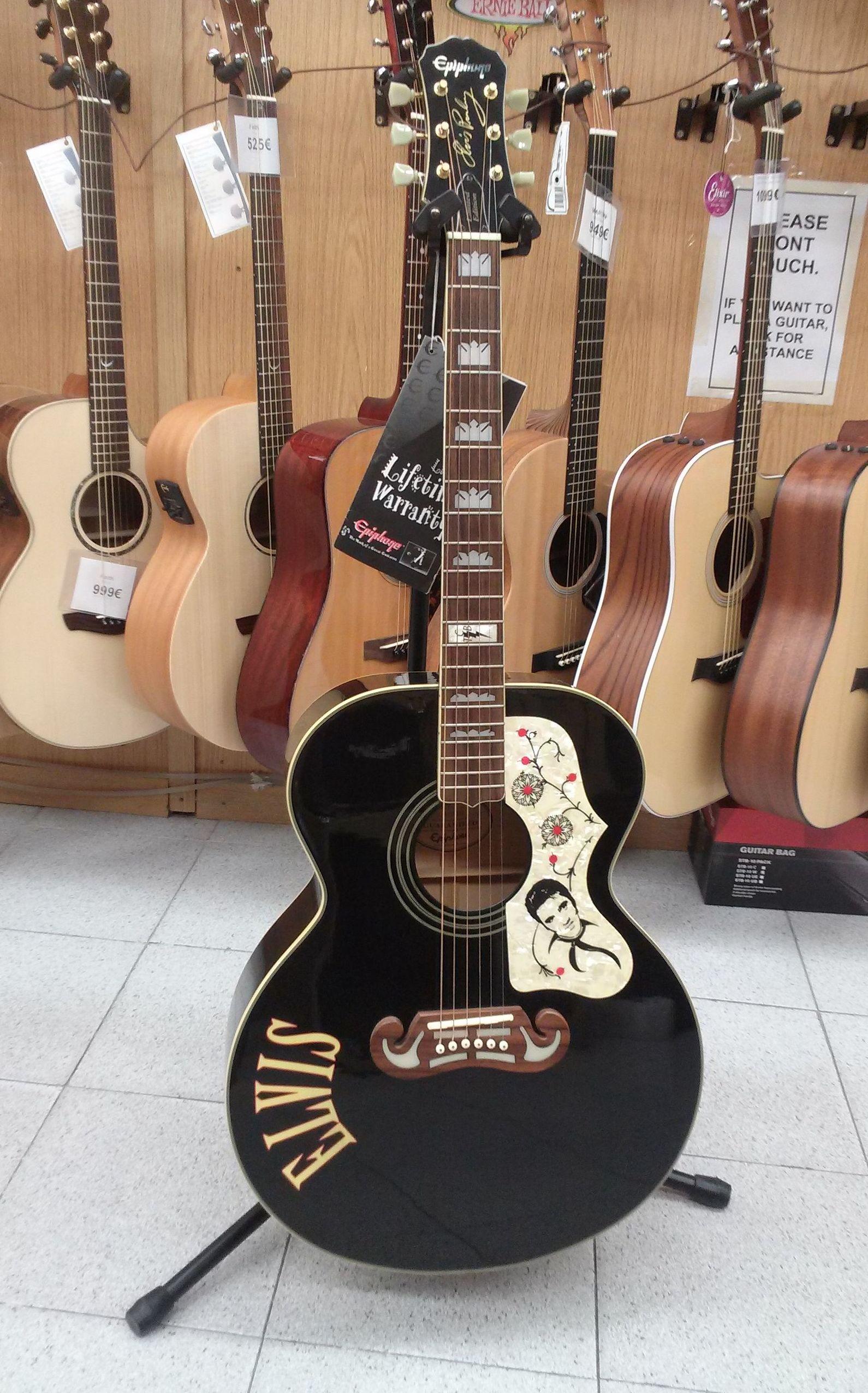 Foto 134 de Instrumentos de música en Barcelona | Guitar Shop Barcelona