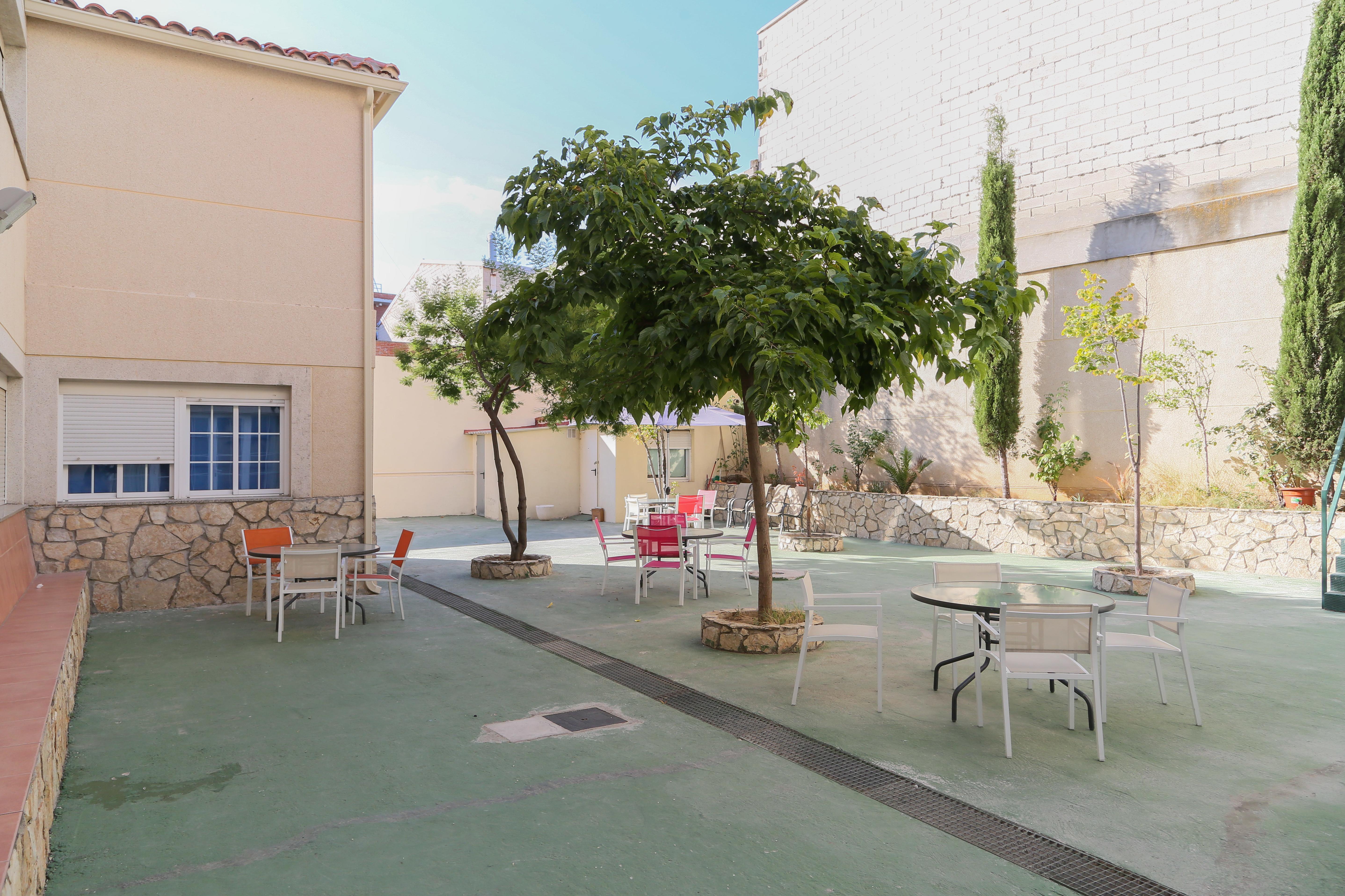 Foto 1 de Residencias geriátricas en San Sebastián de los Reyes | Años Dorados II Centro Residencial para Mayores