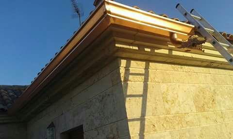 Canalón de aluminio sólido y resistente en Ciudad Real