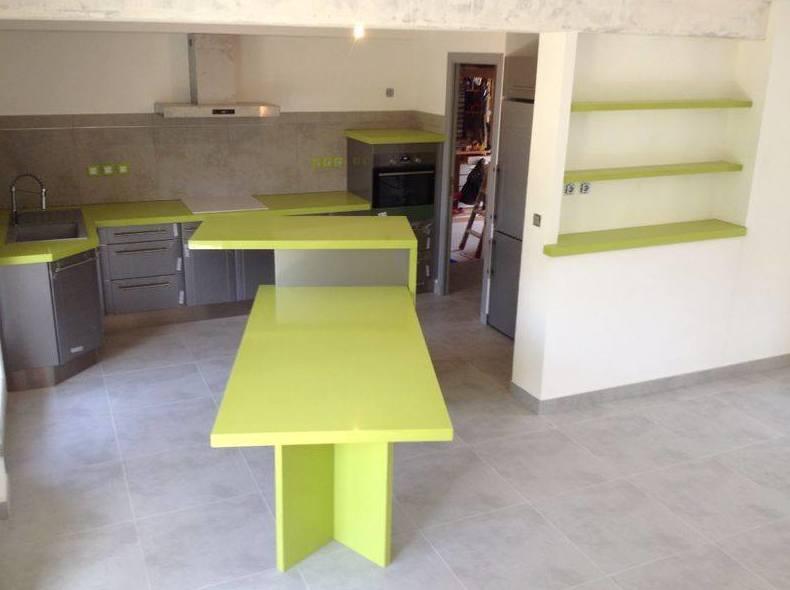 Mesa de cuarzo verde