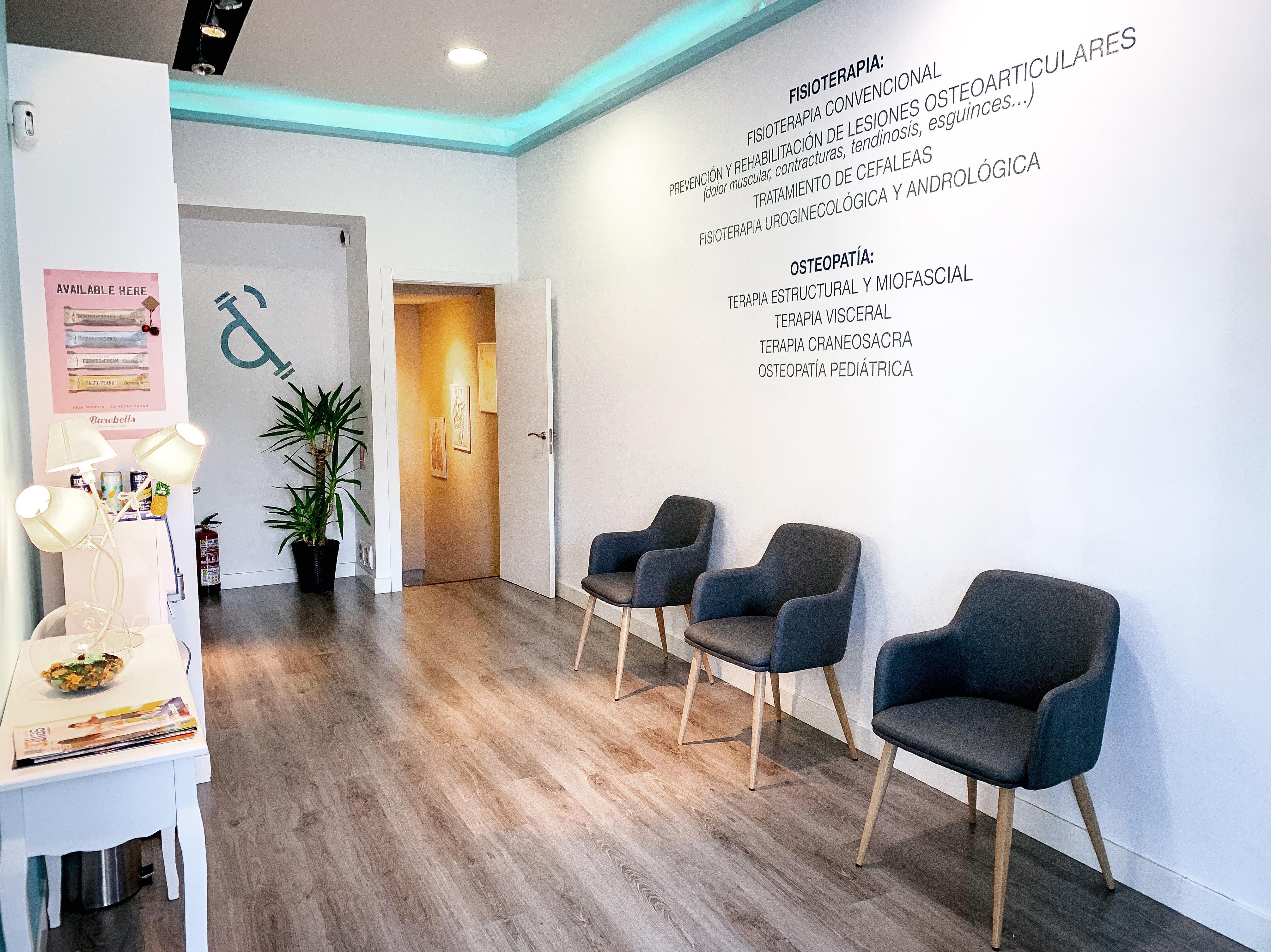 Centro especializado en fisioterapia & osteopatía en Plza Castilla, Madrid