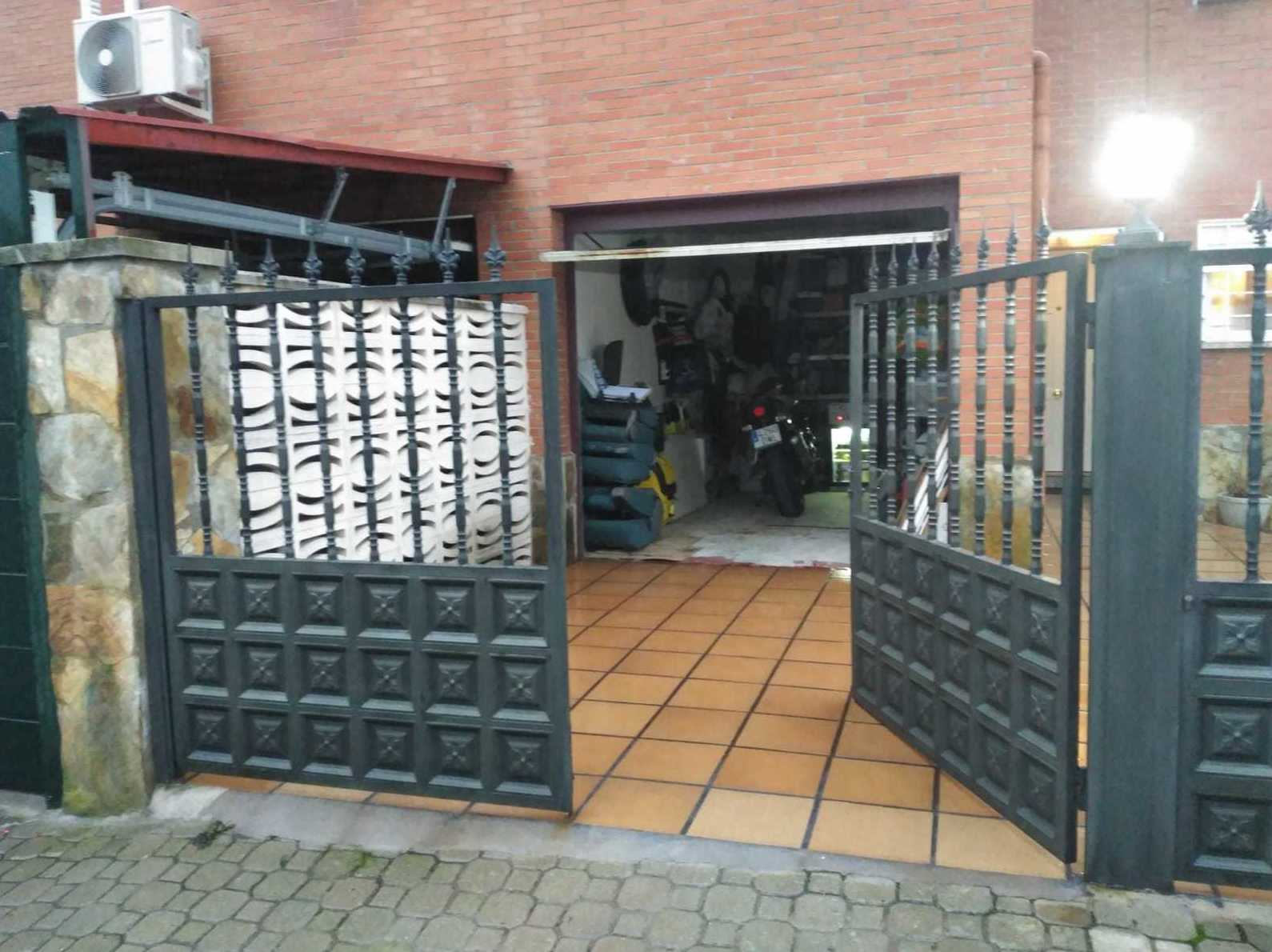 Puertas seccionables / Reformas Joyfer