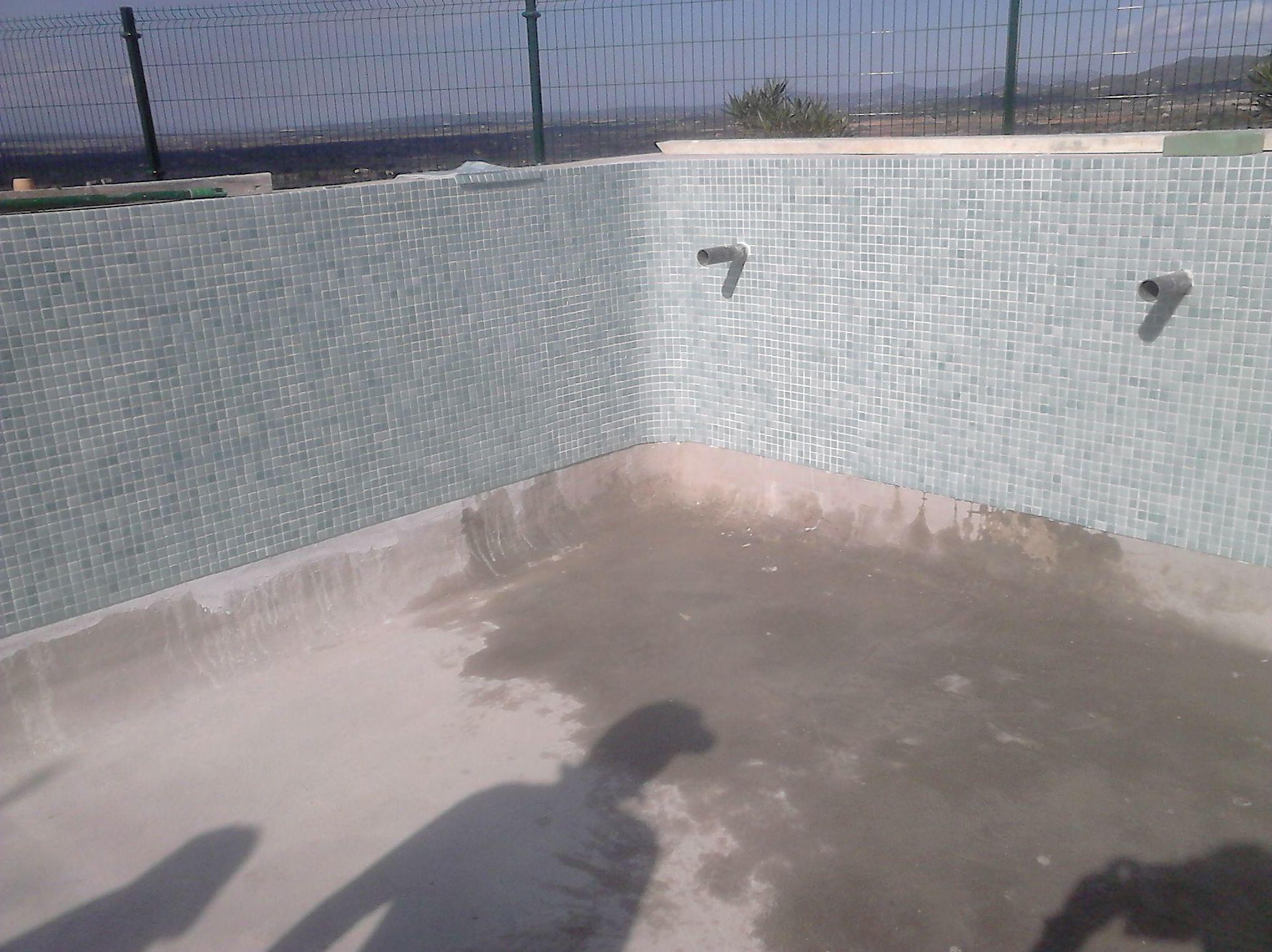 Construcción piscina.