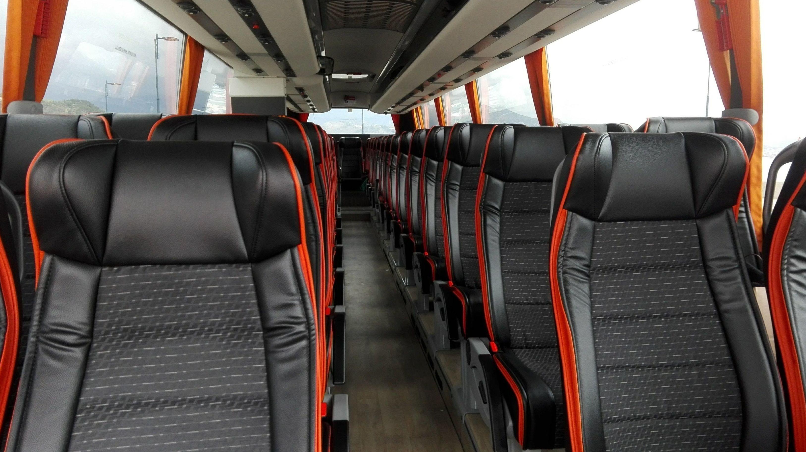 Foto 1 de Autocares y microbuses en  | Autocares y Microbuses Nievabus