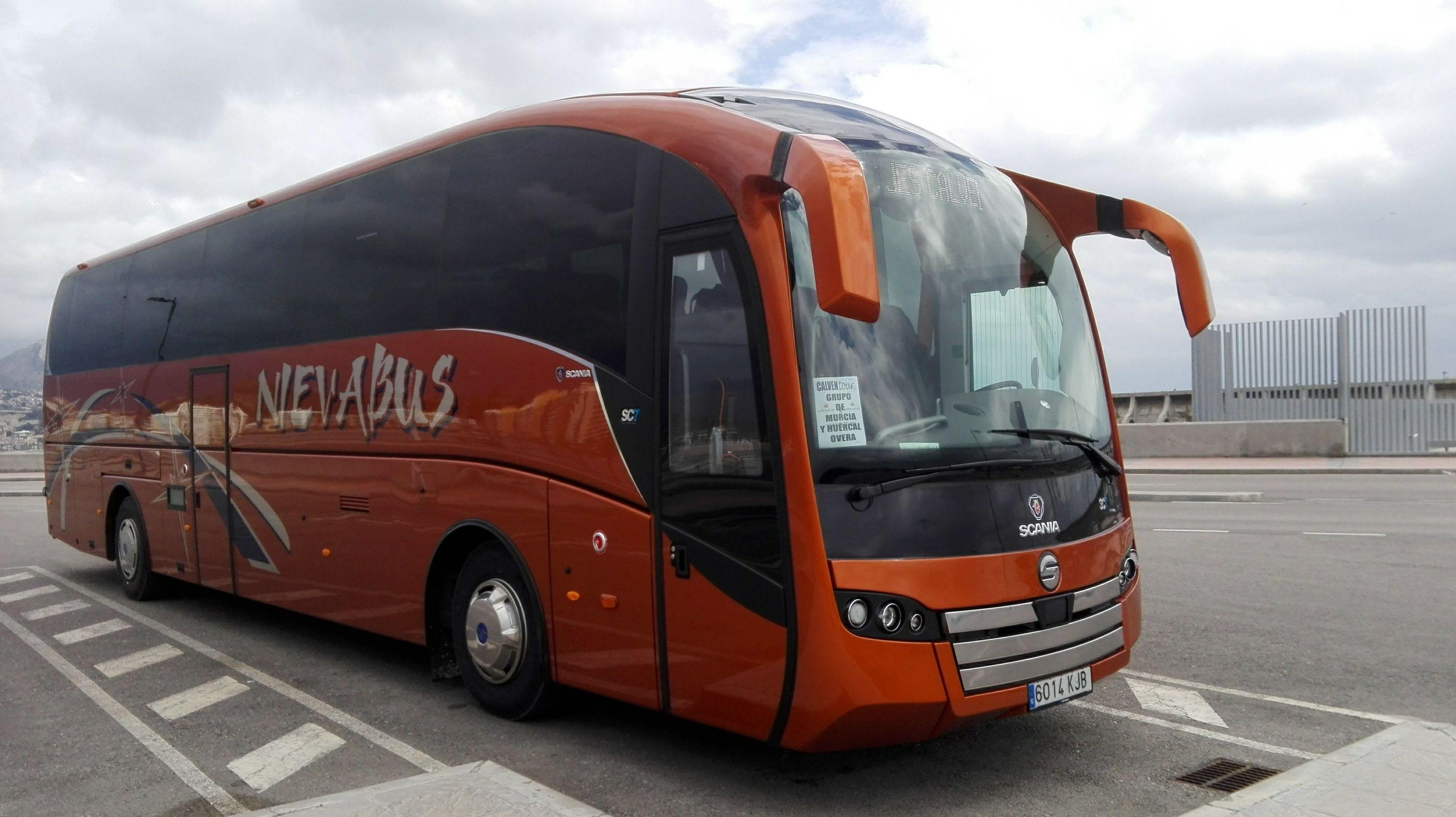 Foto 3 de Autocares y microbuses en  | Autocares y Microbuses Nievabus