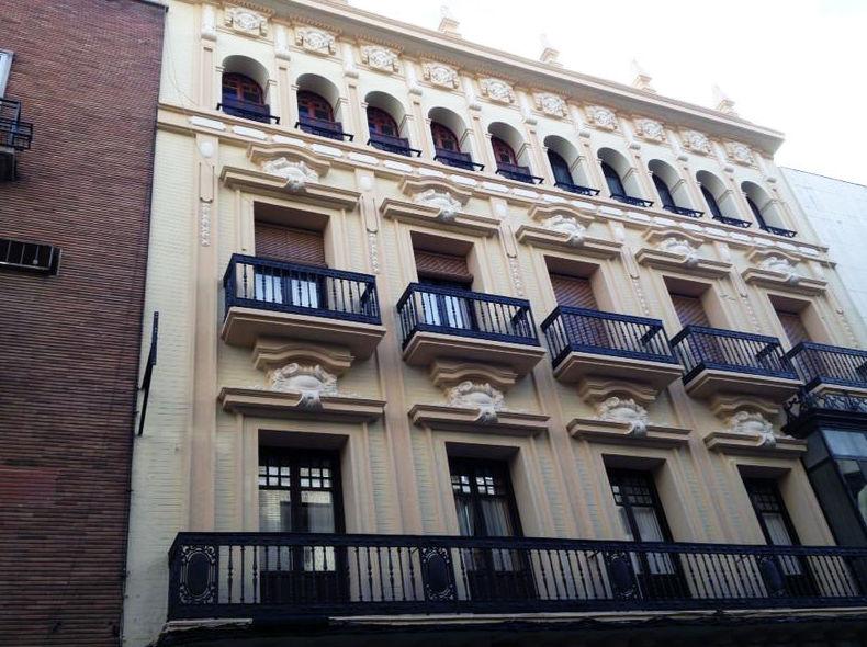 Pintura de edificios sin andamios en Córdoba