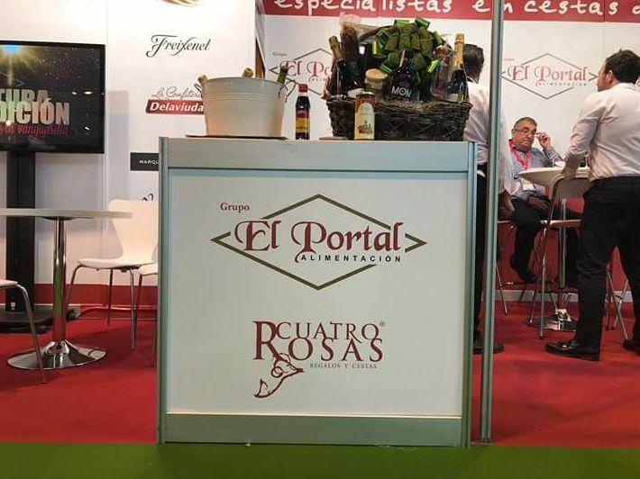 Aplicación de vinilo de impresión digital para el stand el Portal Cuatro Rosas feria del gourmet celebrando en el  IFEMA Madrid