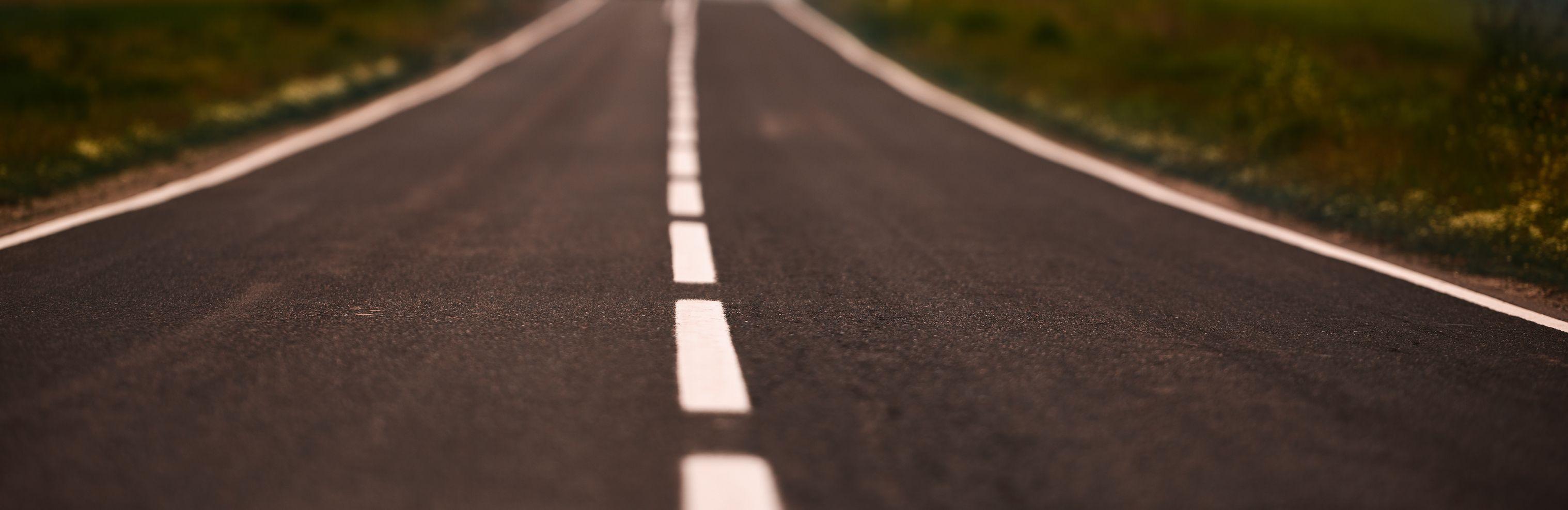 Instalación y mantenimiento de juntas de dilatación en carretera