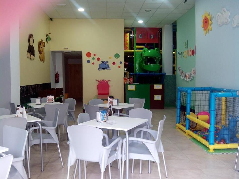 Foto 11 de Cafetería en Elx | El Tragabolas