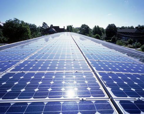 Proyectos de energía solar térmica y fotovoltaica