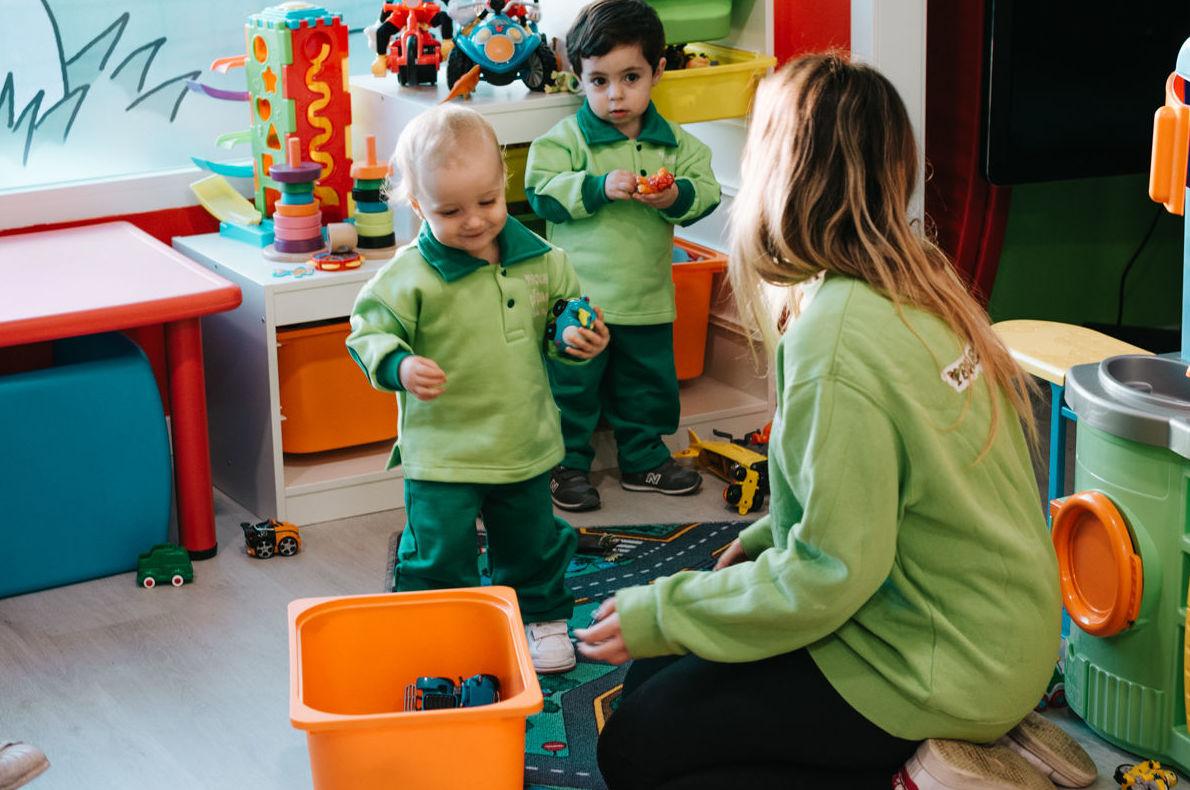 Iniciación al inglés: Servicios de Escuela Infantil Pequeños Gigantes