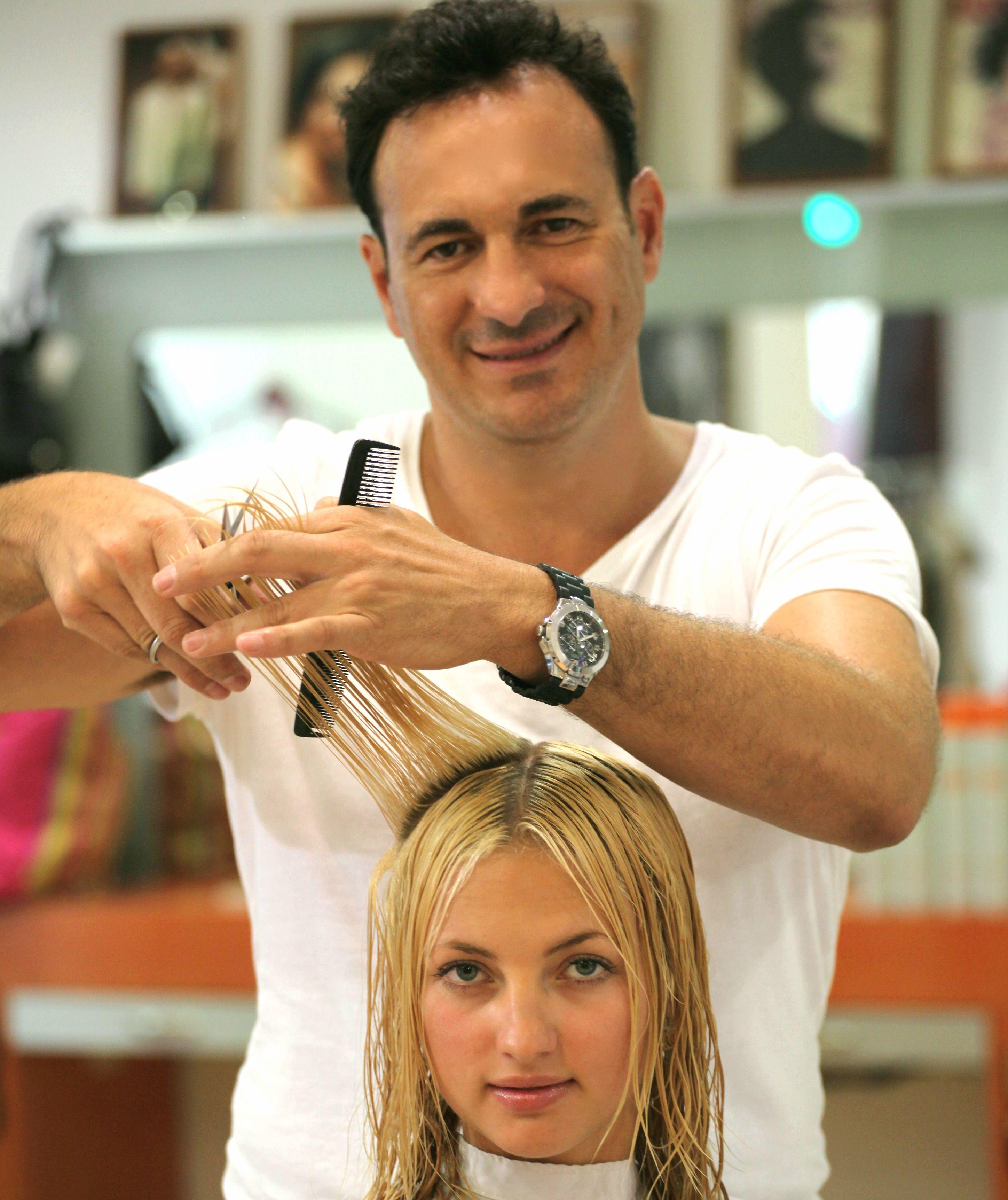 Asesor de imagen y maquillador Javier Ruíz peluquero