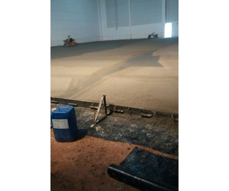 Empresa especializada en pavimentos de hormigón en Barcelona