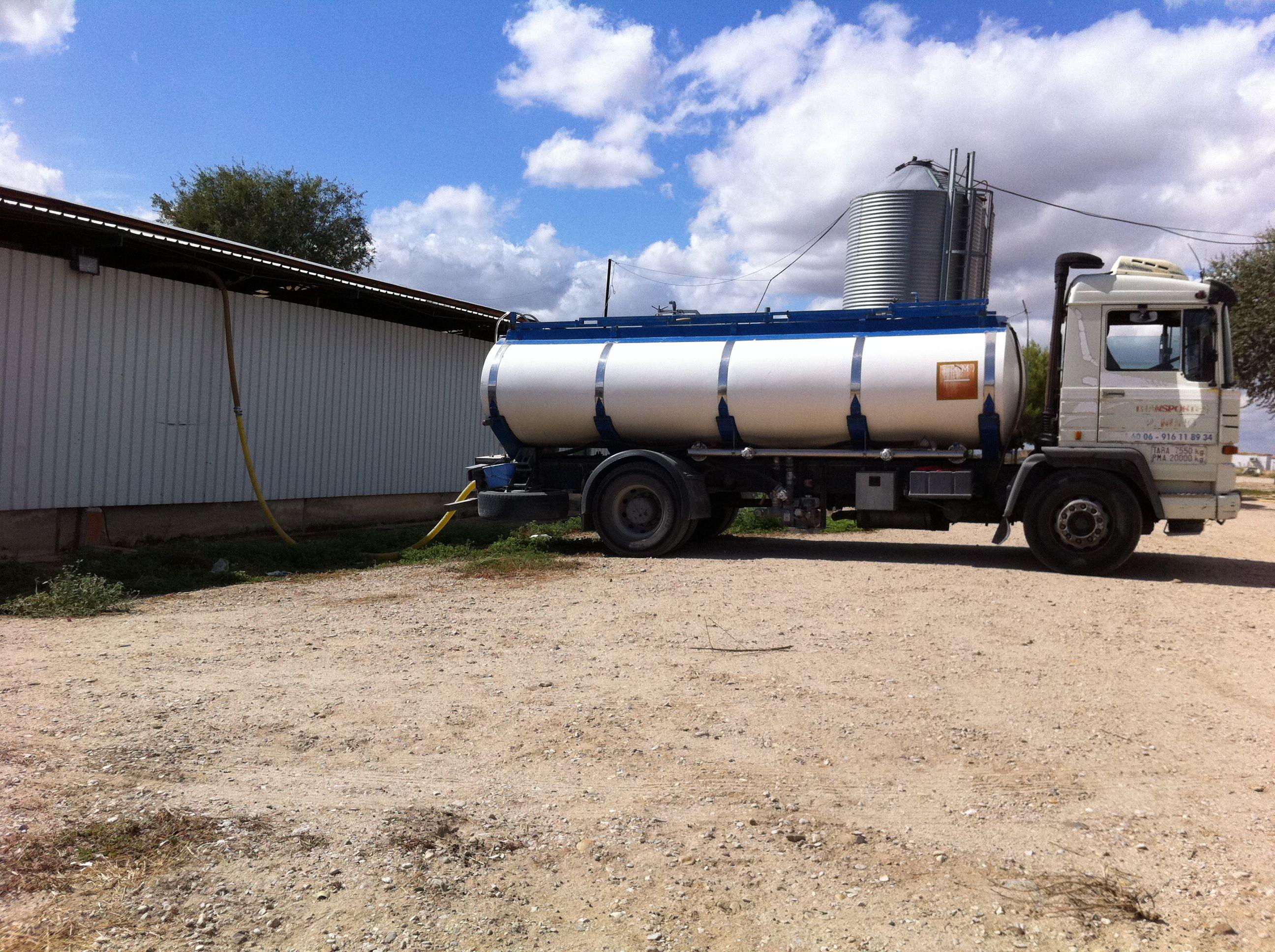 Foto 5 de Abastecimiento de agua en Alcorcón | Transportes Nuño